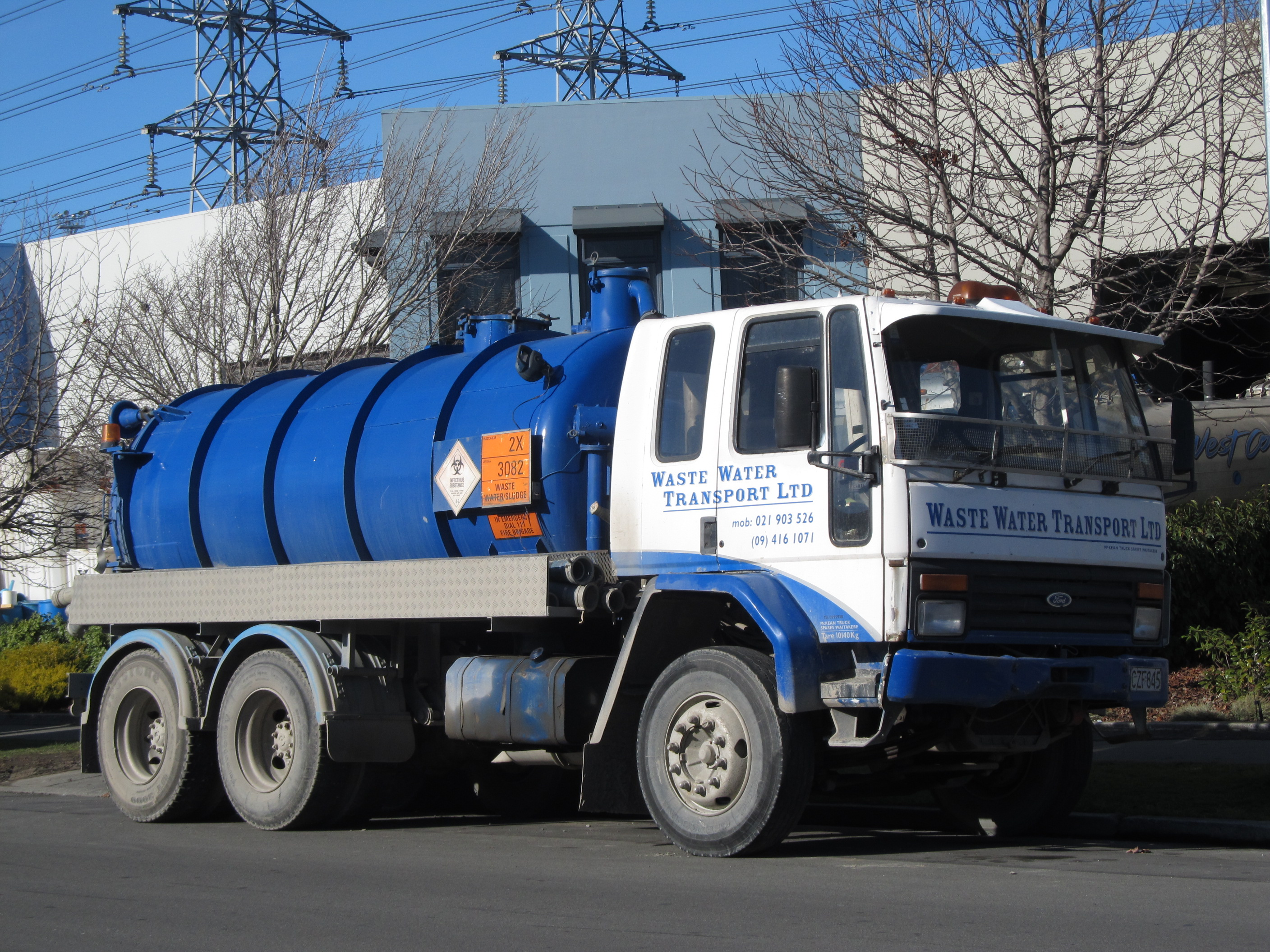 File:1986 Ford Cargo 'Waste Water Transport' Truck ...