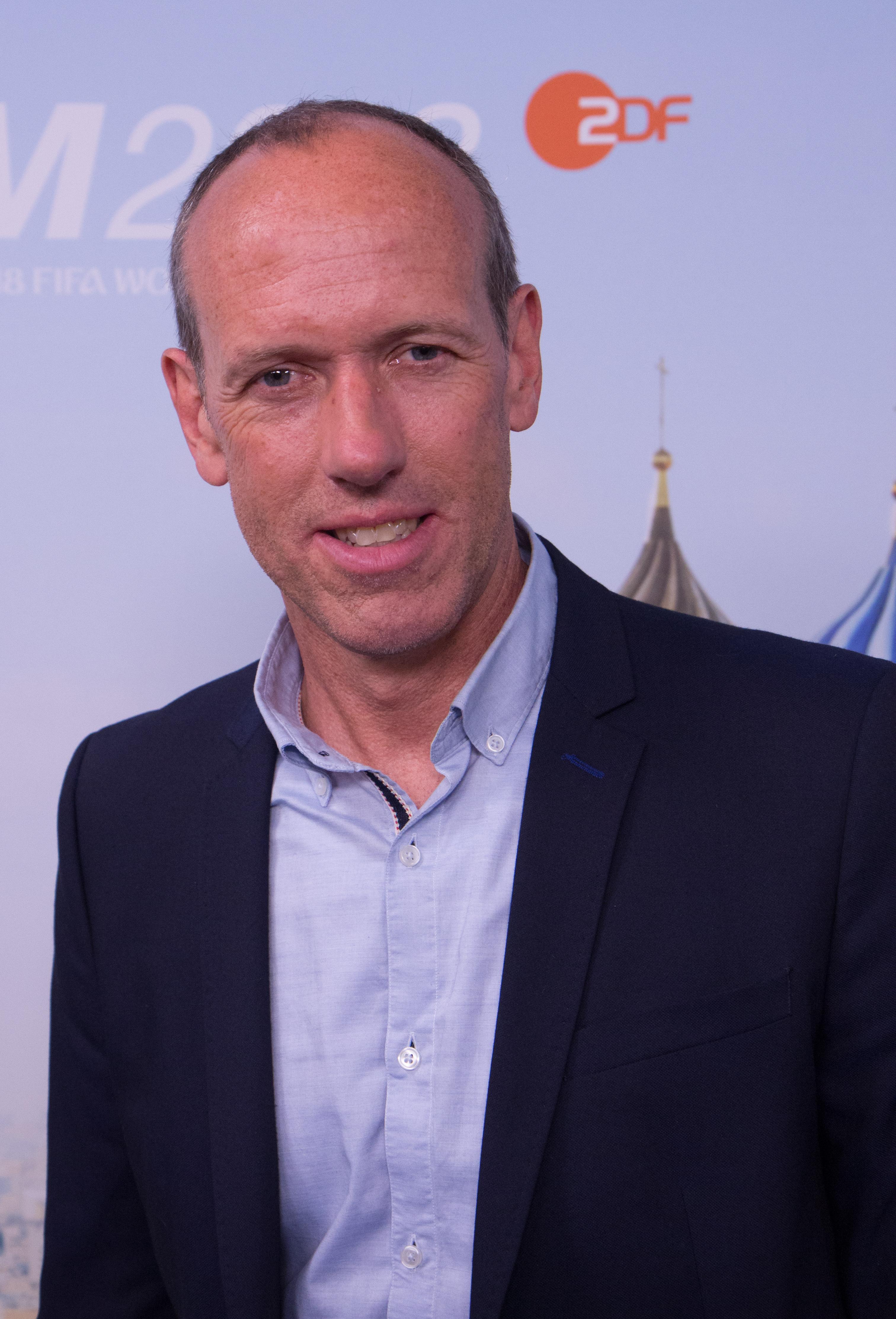 Martin Schneider Kommentator Wikipedia