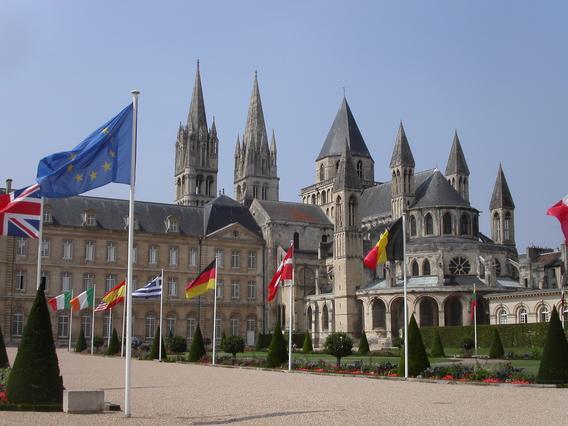 http://upload.wikimedia.org/wikipedia/commons/4/40/Abbaye-aux-hommes.jpg