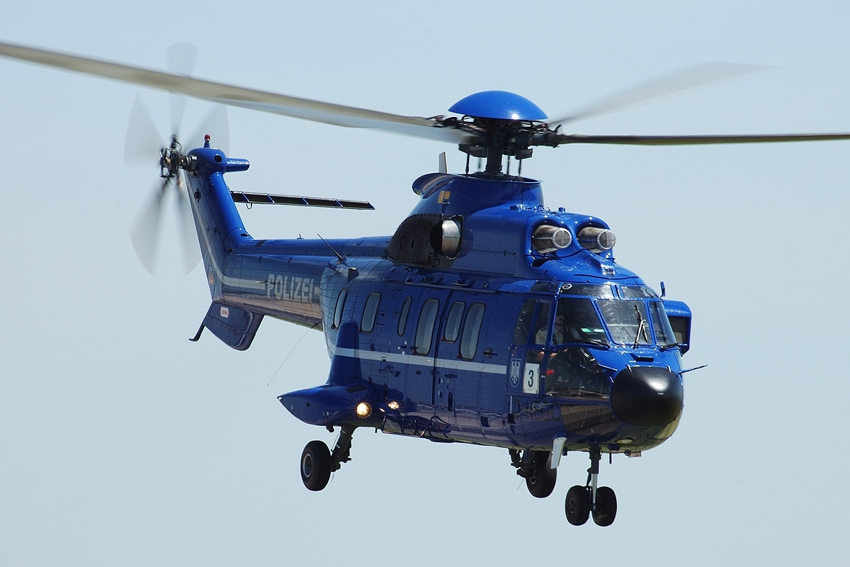 File:Aerospatiale AS-332L1 Super Puma, Polizei AN0853750