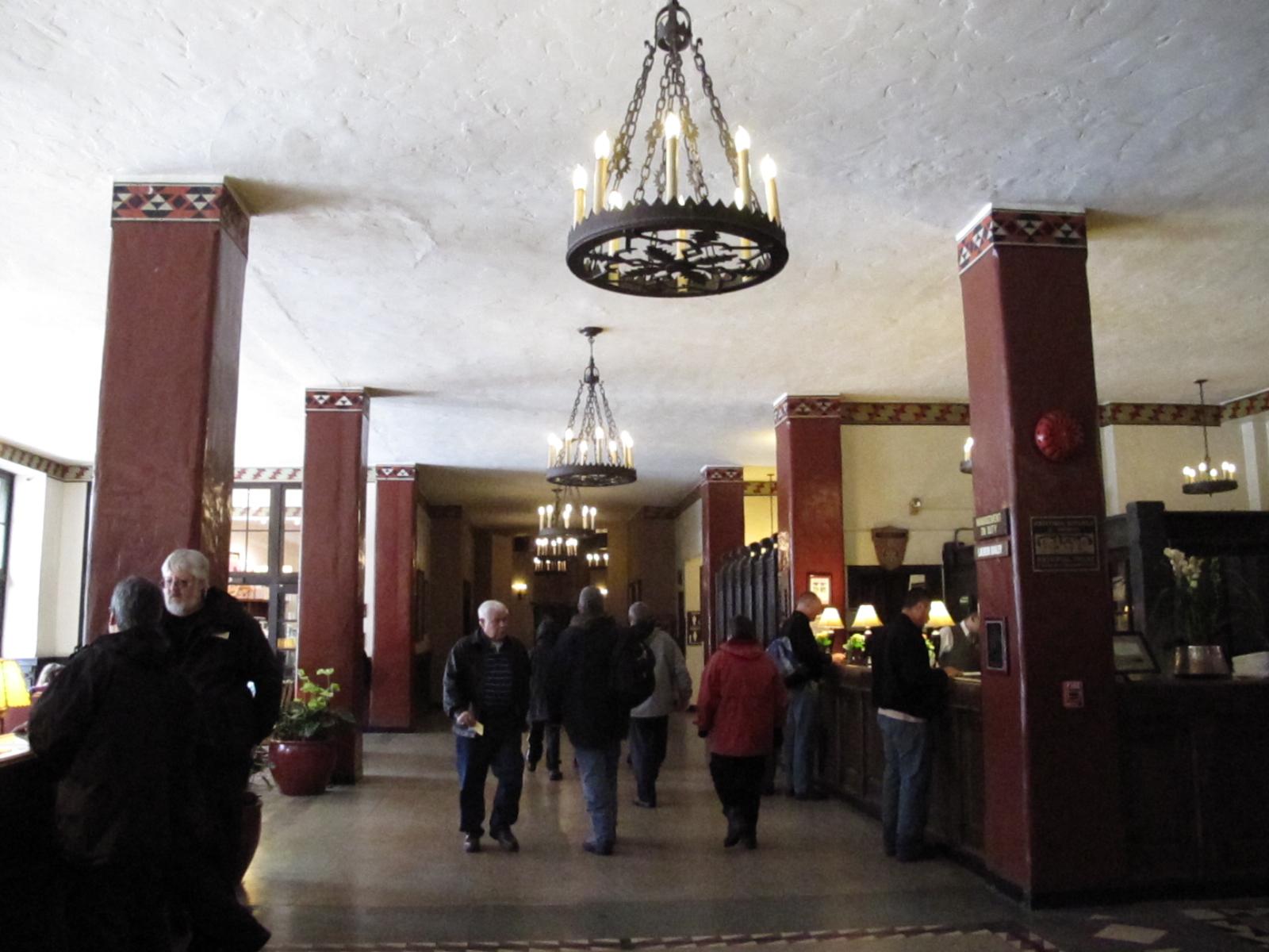 The shining film wiki everipedia for Overlook hotel decor