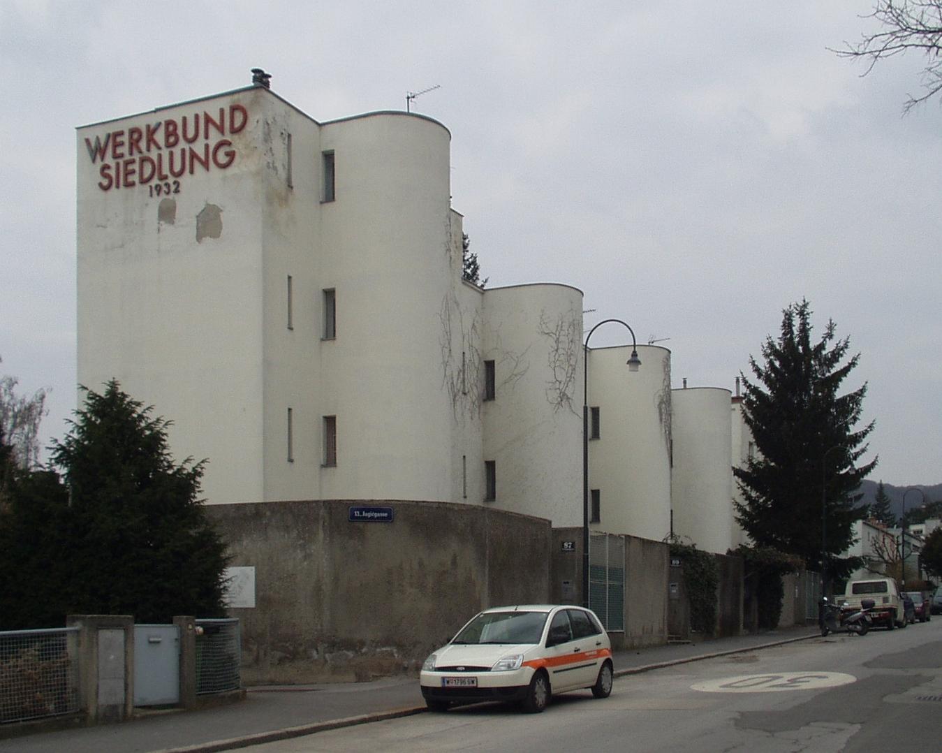 Andre_Lurcat,_1931-1932,_A1130_Wien,_Veitingergasse_87-93,_Werkbundsieldung.jpg