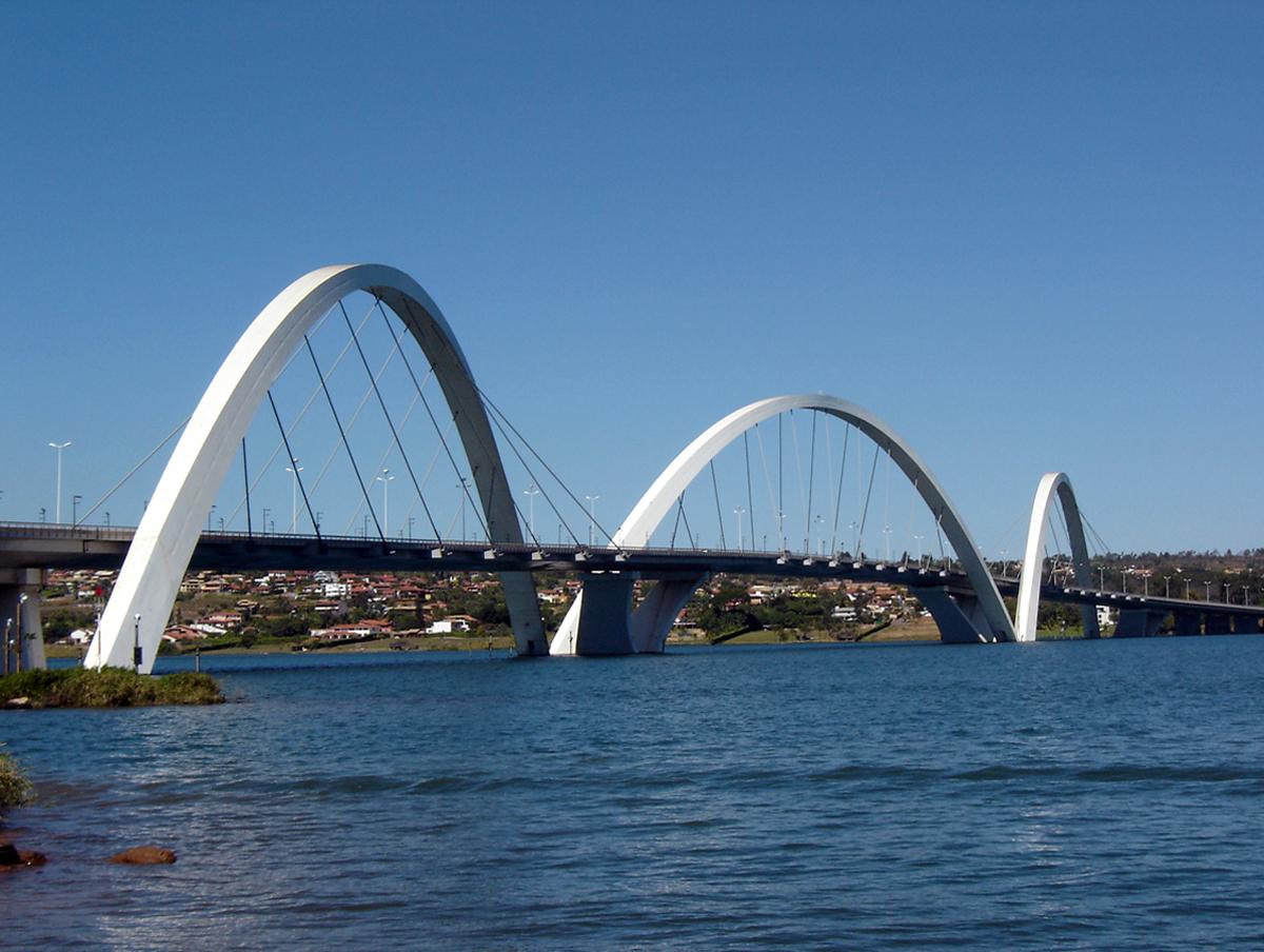 BSB Ponte JK 08 2005 58 8x6.JPG