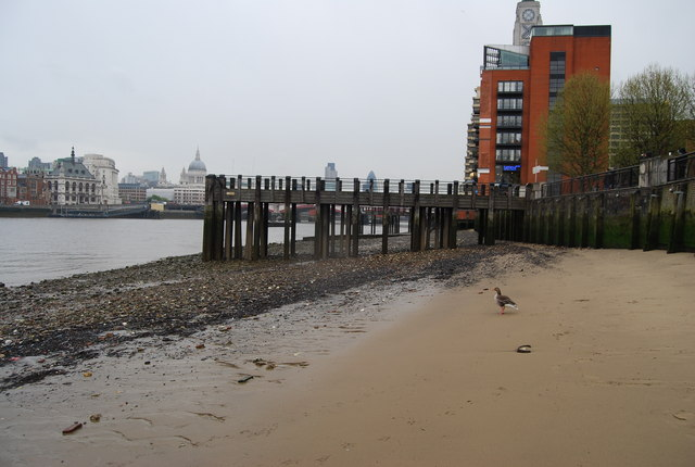 File:Beach, Gabriel's Wharf - geograph.org.uk - 1270046.jpg