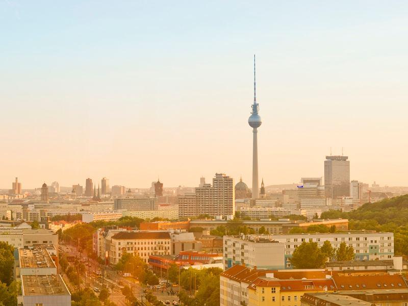 Panorama de Berlin avec vue sur la tour de télévision à Berlin - Photo de Philipp von Ostau
