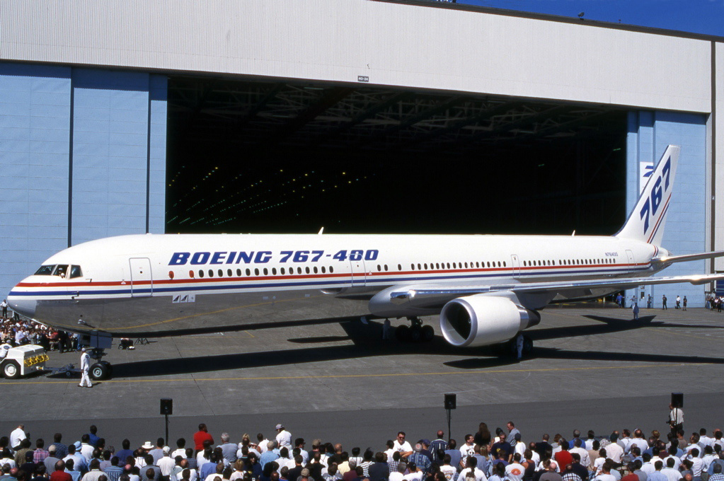 File Boeing 767 400er Rollout Proctor Jpg Wikipedia
