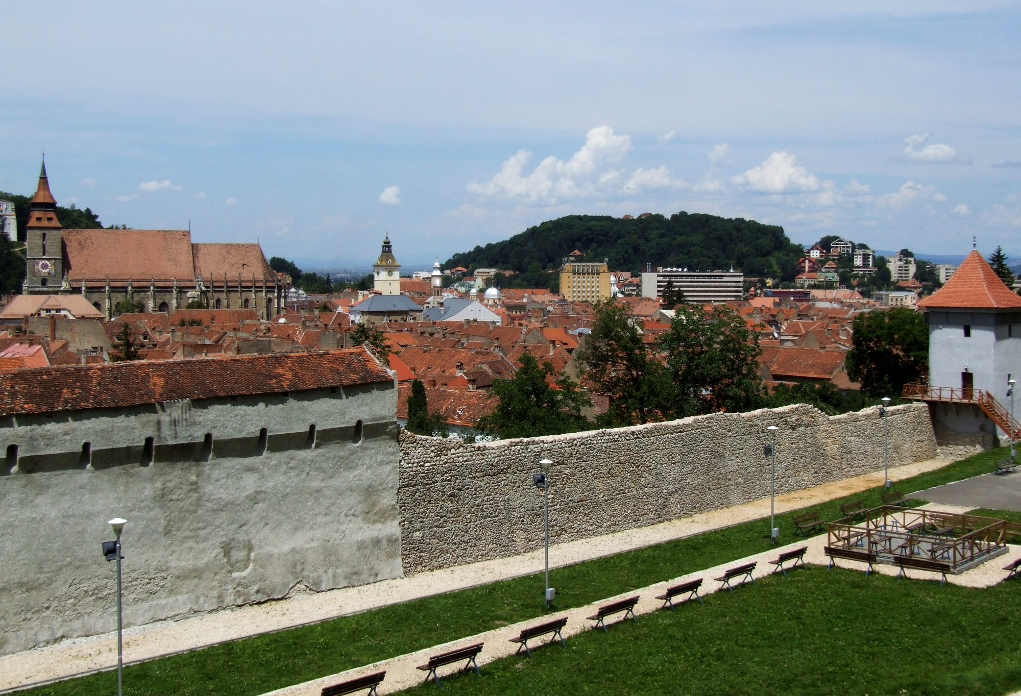 Braşov Kronstadt Brassó old city and city wall JPG
