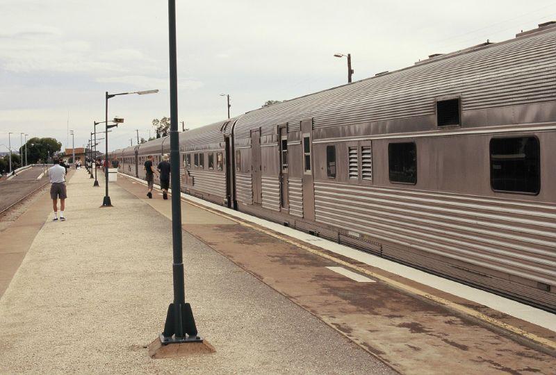 File:Broken Hill Railway Station.jpg