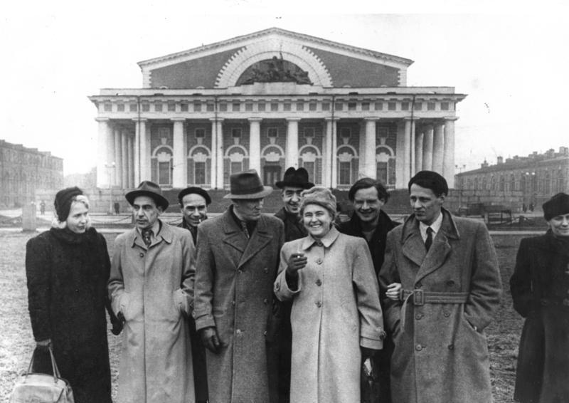 Bundesarchiv Bild 183-2005-0816-516, Leningrad, Besuch deutscher Kulturschaffender