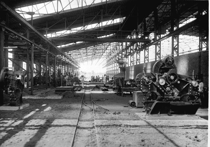 File collectie tropenmuseum interieur van de fabriekshal for Interieur bedrijf