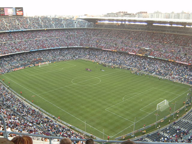 Archivo:Camp Nou from highest stand.jpg