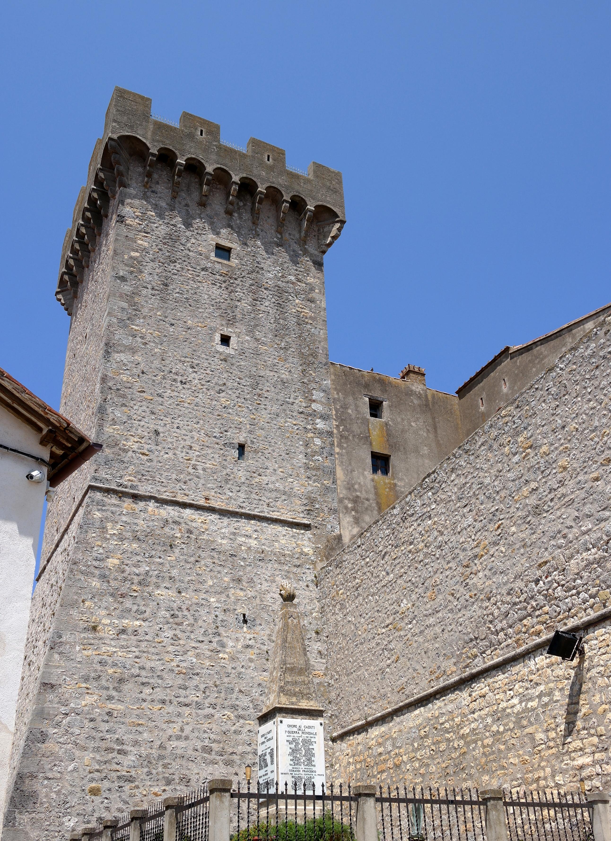 Capalbio - Rocca aldobrandesca.jpg