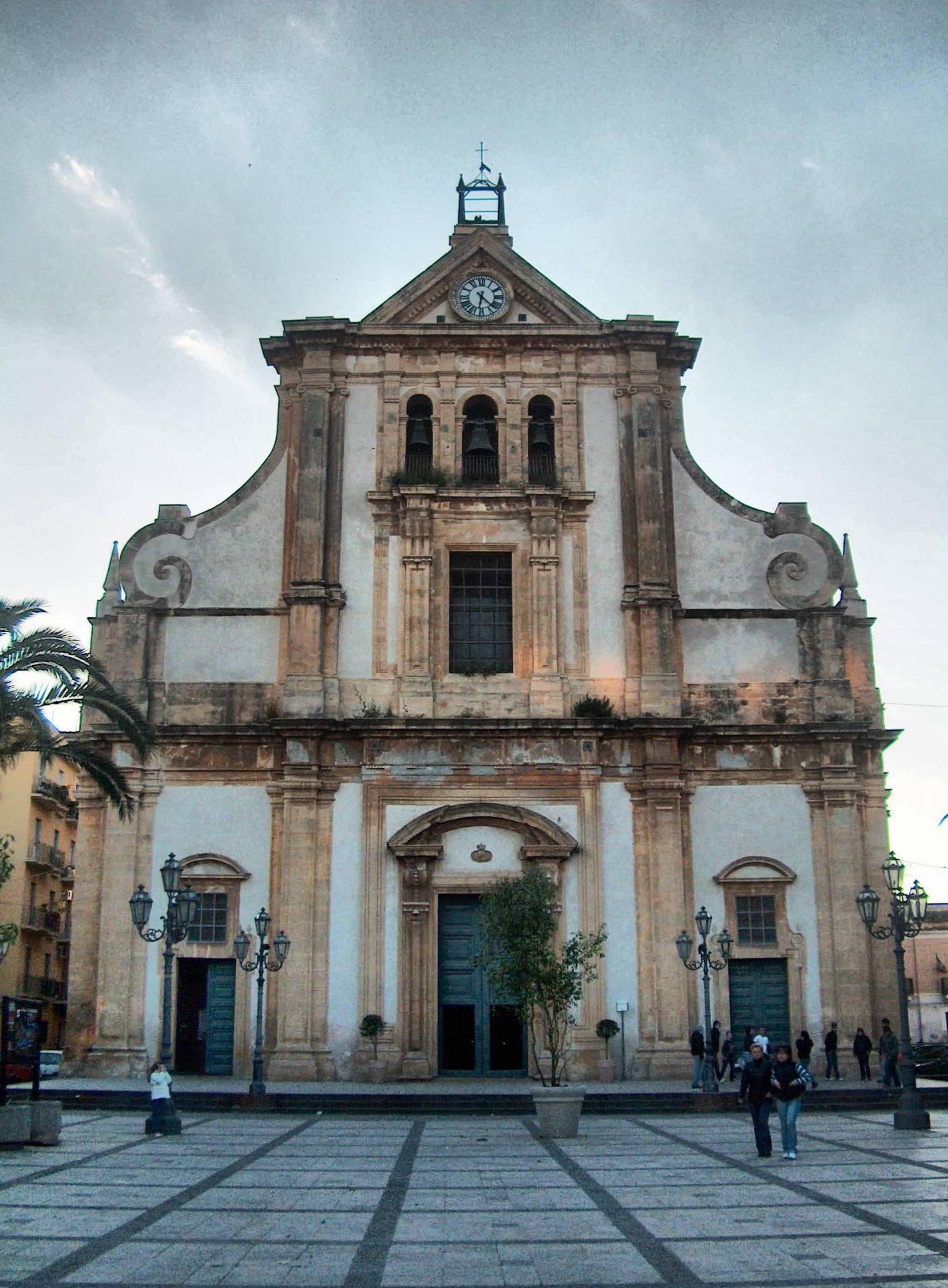 Chiesa di santa maria assunta augusta wikipedia - Finestra a tre aperture ...