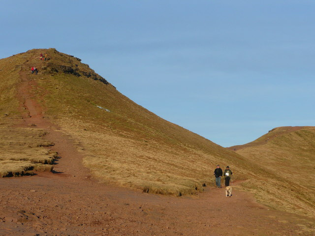 Corn Du and Pen y Fan - geograph.org.uk - 1115634