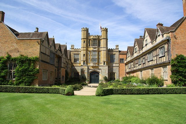 Coughton Court - geograph.org.uk - 1362419