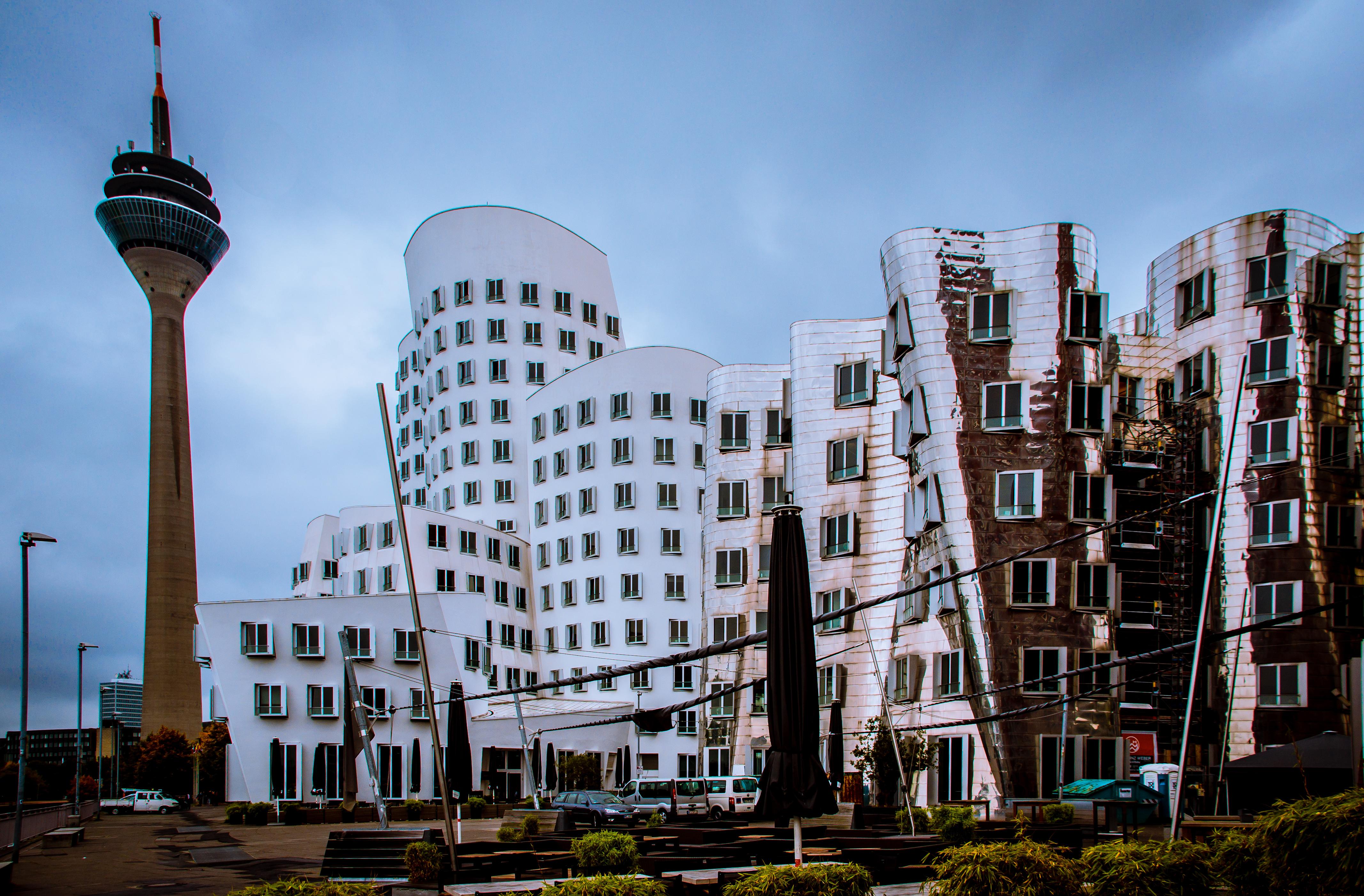 datei d sseldorf medienhafen neuer zollhof office buildings river bank fa ade 10511527744. Black Bedroom Furniture Sets. Home Design Ideas