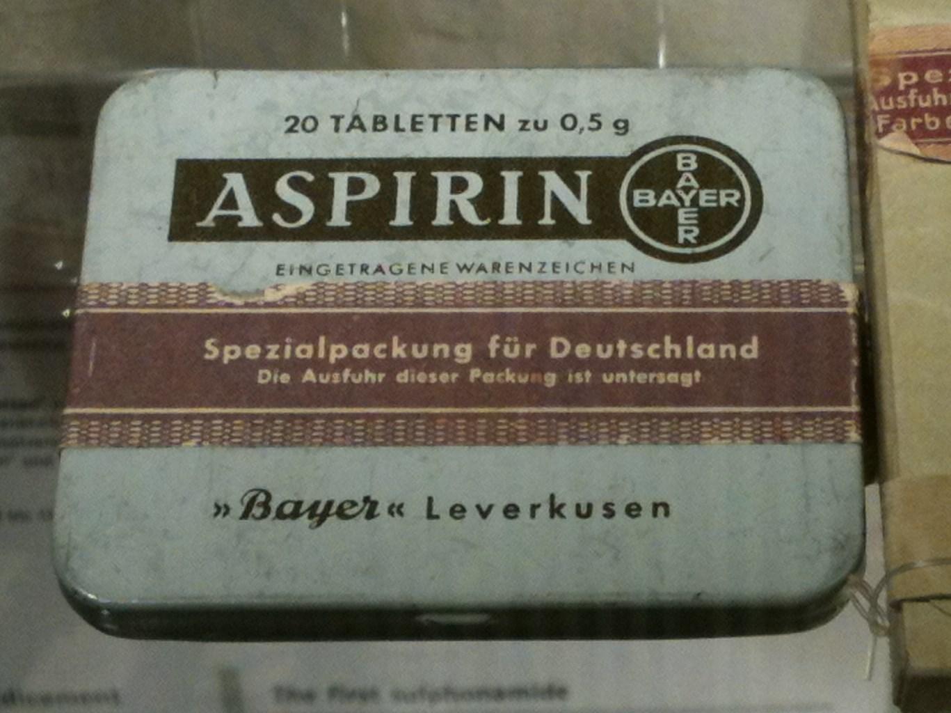 D-BW-Heidelberg - Deutsches Apothekenmuseum - Aspirin 1.JPG