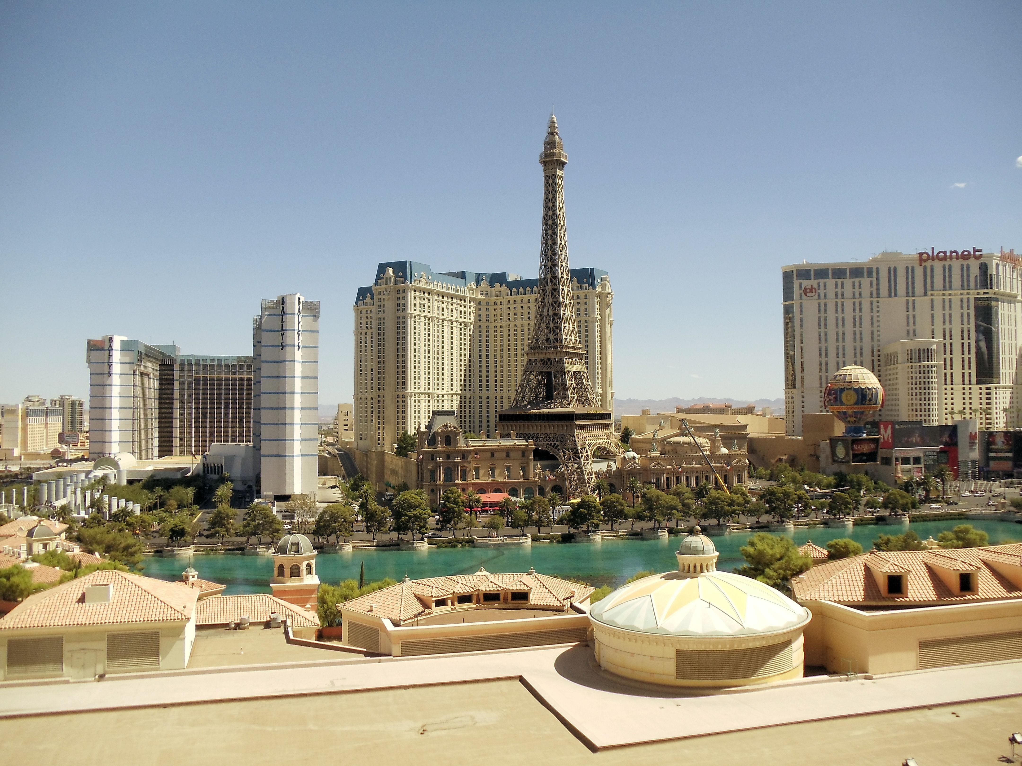 File Dsc33352 Paris Hotel And Las Vegas Nevada Usa