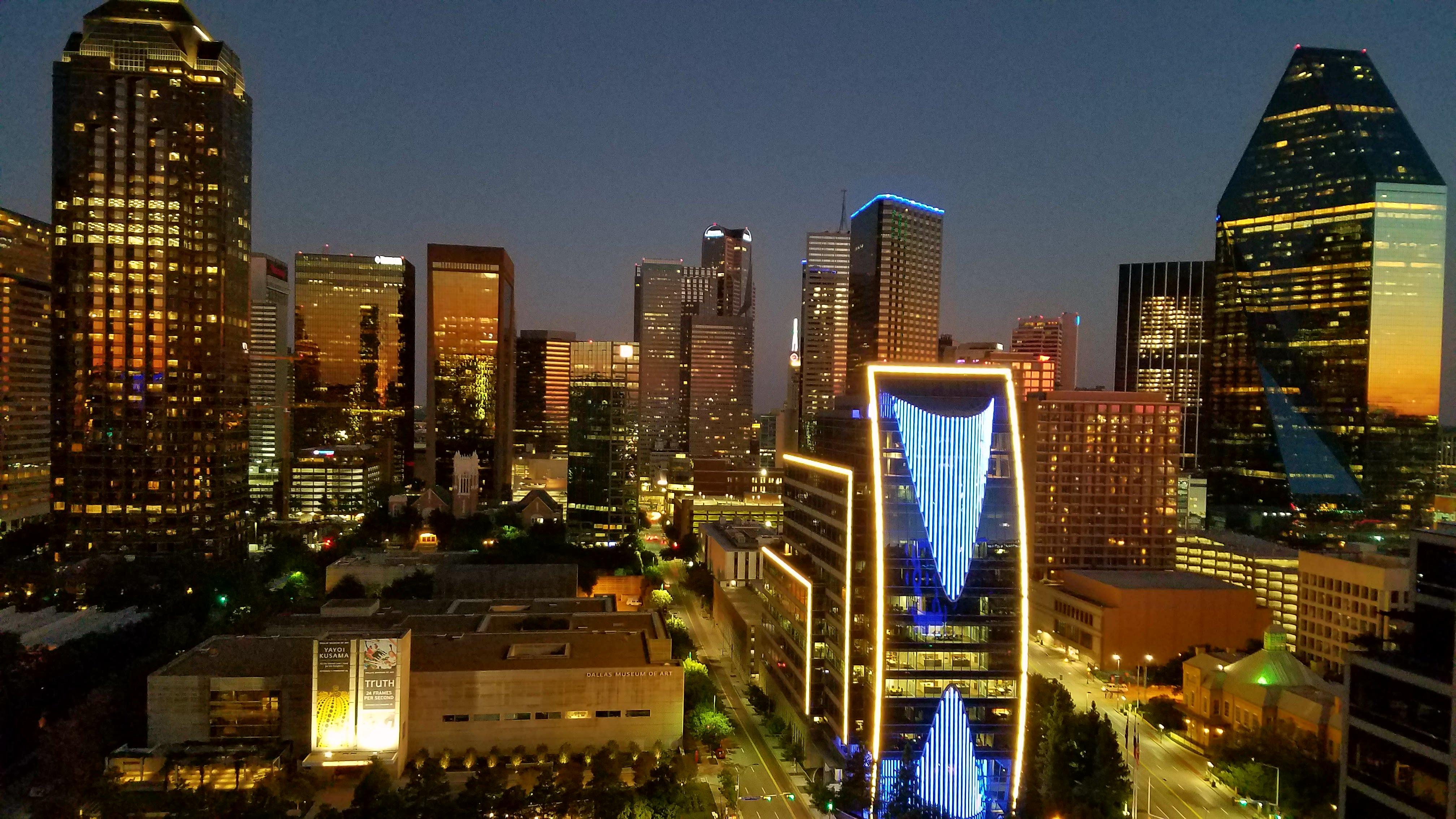 ファイル dallas skyline with arts district at night jpg wikipedia