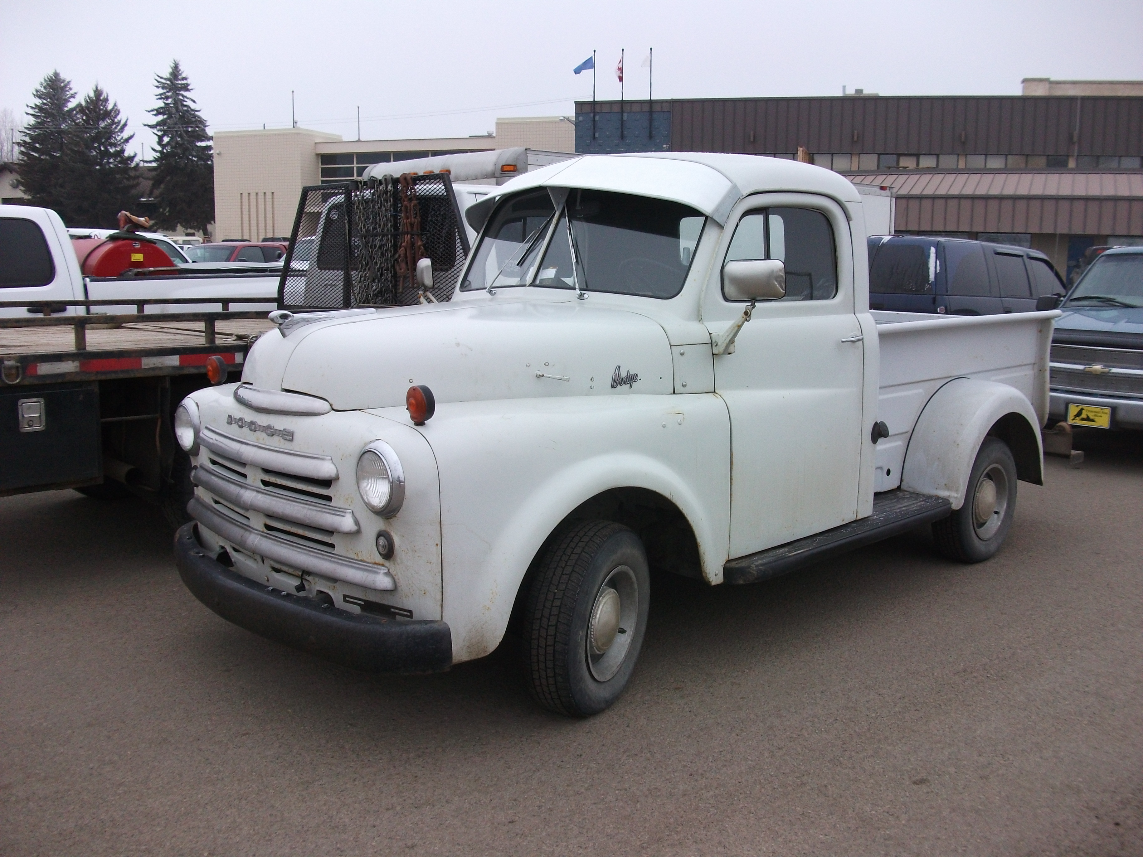 File:Dodge-truck.jpg - Wikimedia Commons