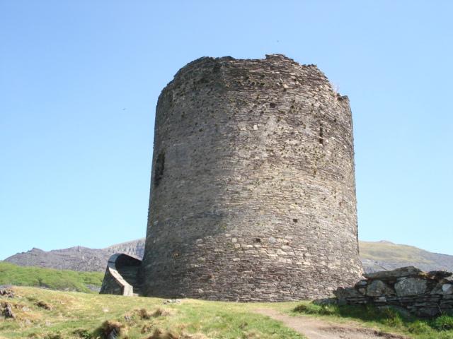 Dolbadarn Castle - geograph.org.uk - 468206