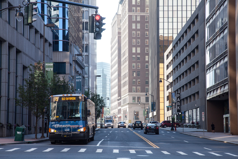 The Hartford At Work >> File:Downtown Hartford, Connecticut street scene.jpg ...