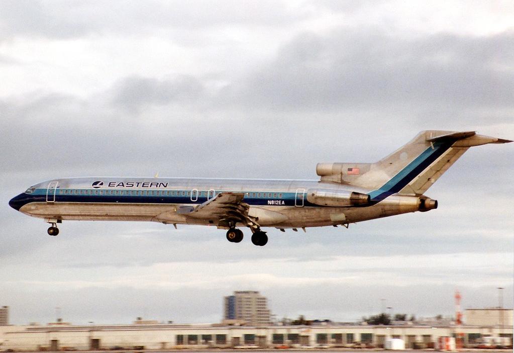File:Eastern Air Lines Boeing 727-200 Adv N812EA MIA 1990-5-12.png