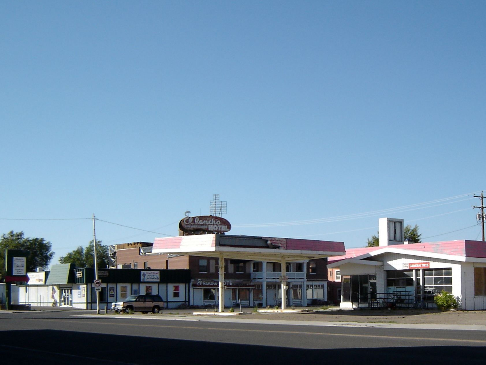 File El Rancho Hotel Closed Wells Nv Panoramio Jpg