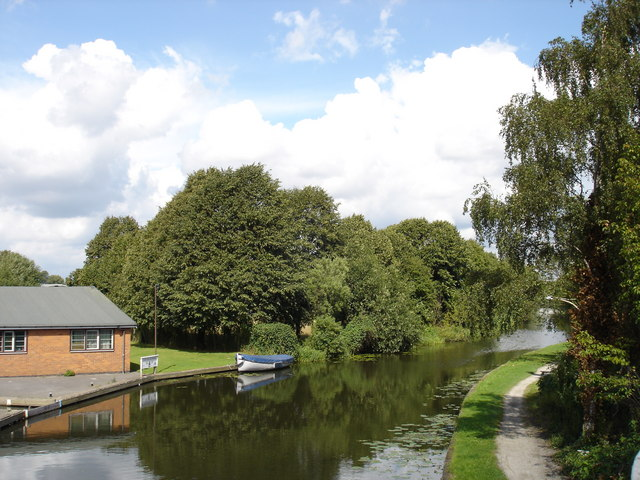Erewash Canal, Long Eaton - geograph.org.uk - 930695