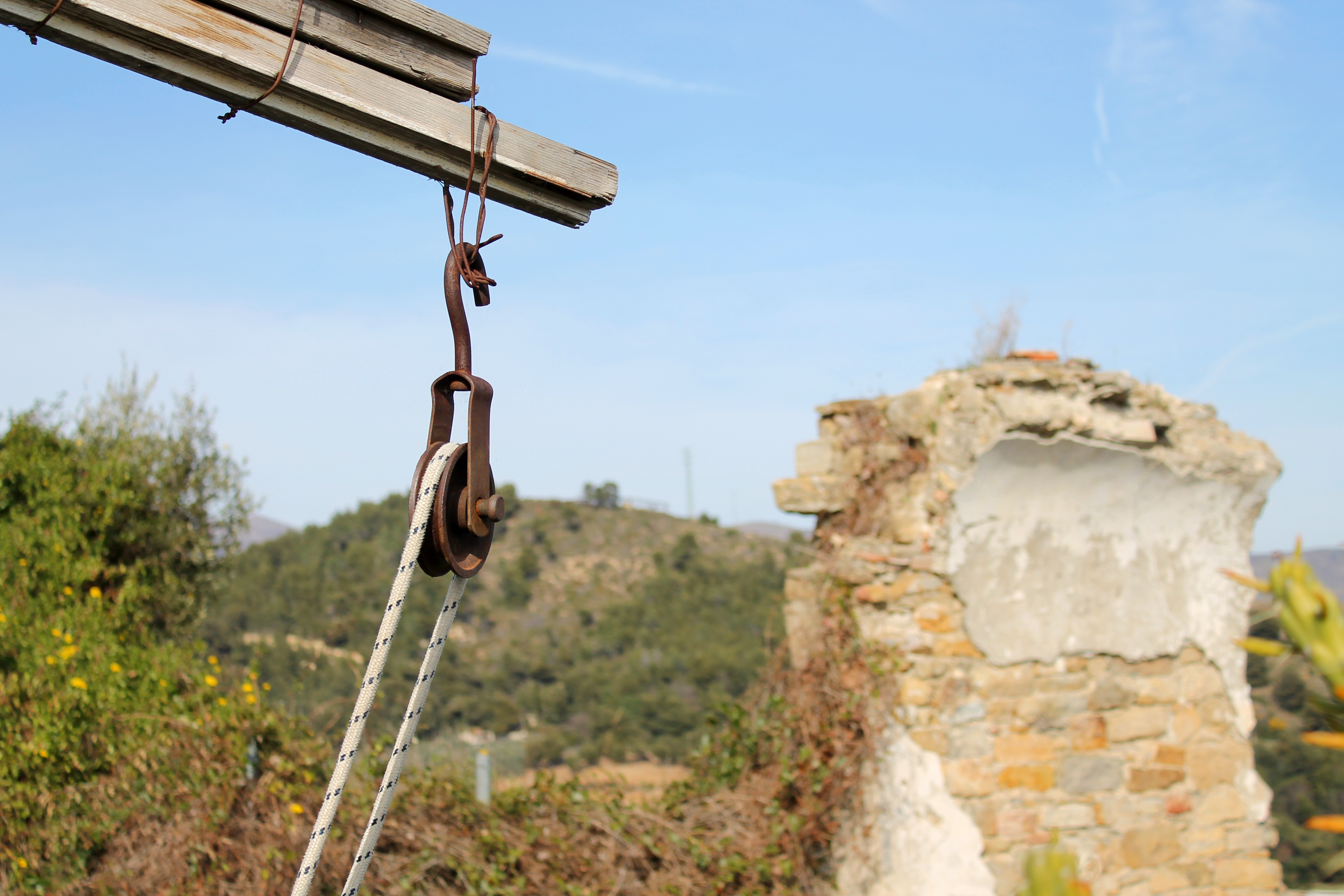 Beautiful Examples Of Pulleys In Real Life Pulley Bussana Vecchiajpg Intended Design Decorating