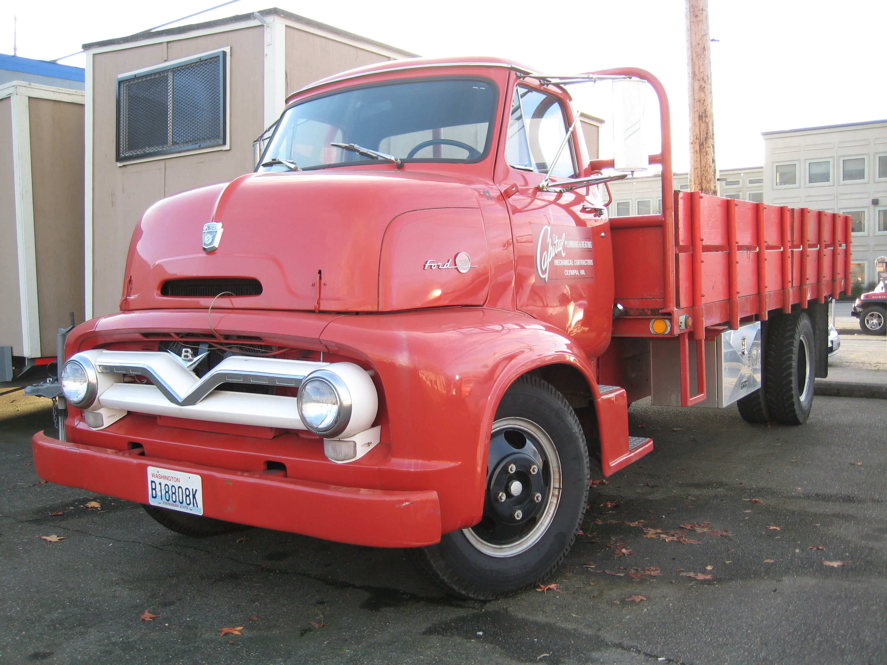 Description Ford C600 COE.jpg