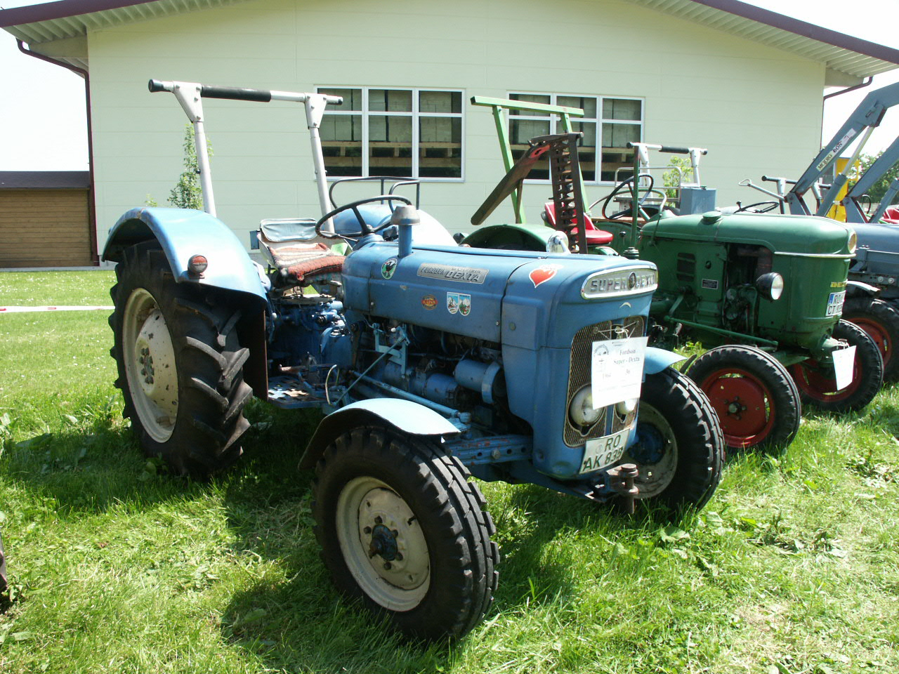 File Fordson Super Dexta 1964 Jpg Wikimedia Commons