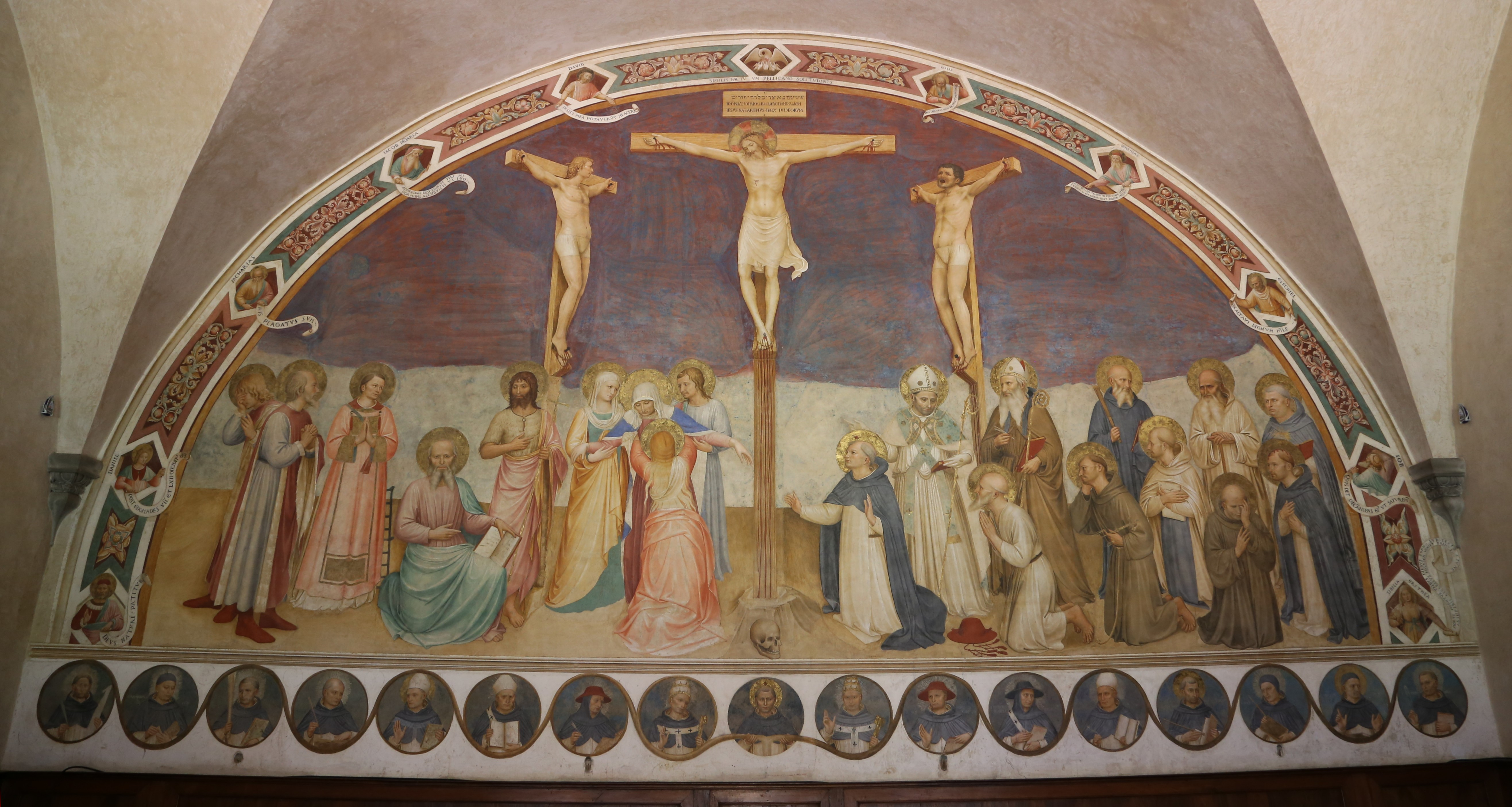 https://upload.wikimedia.org/wikipedia/commons/4/40/Fra_Angelico_Kreuzigung_mit_Heiligen_Fresco_1441-1442_San_Marco_Florenz-1.jpg
