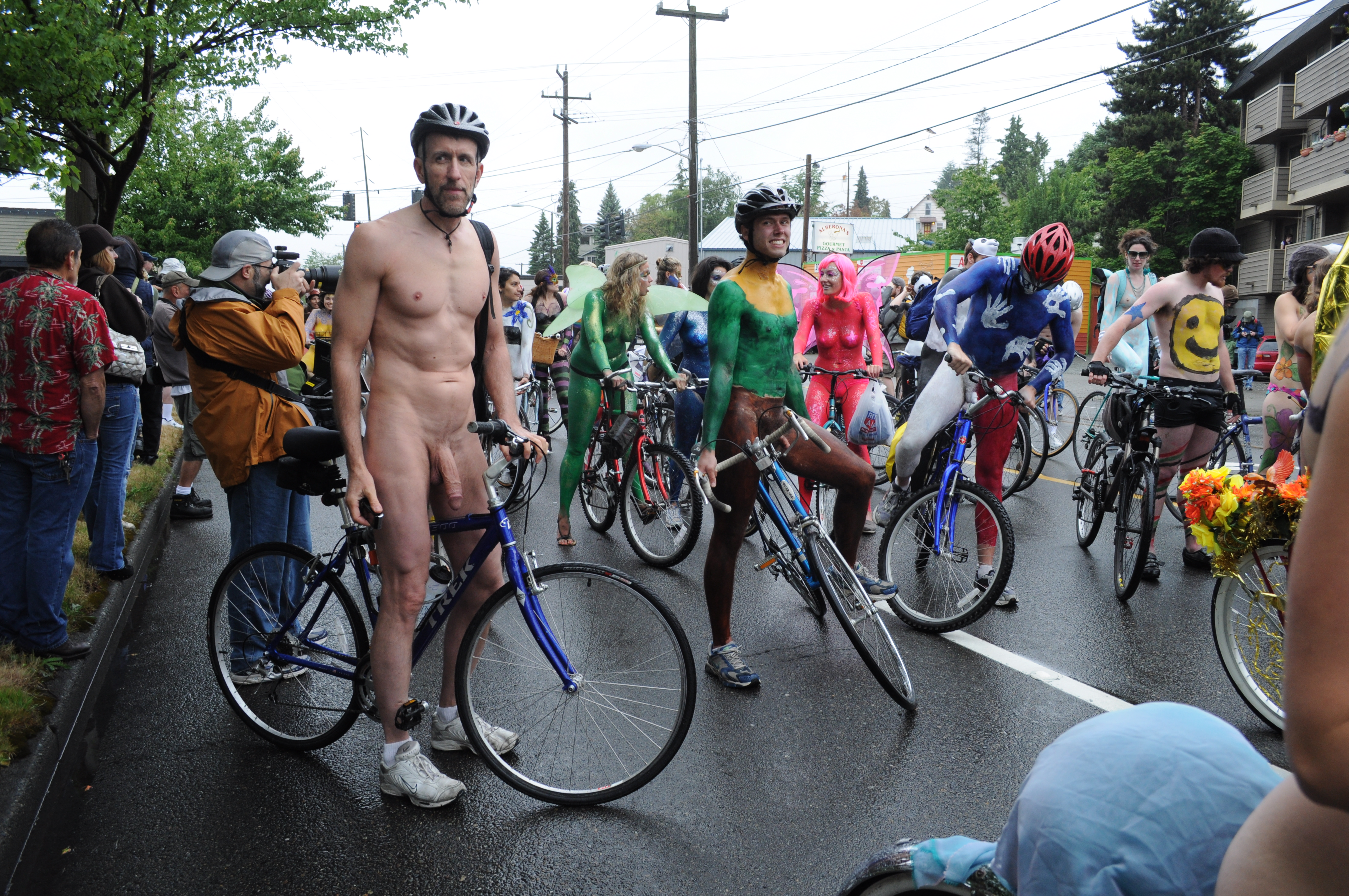 fremont nude File:Fremont Solstice Parade 2011 - cyclists prepare 18.jpg