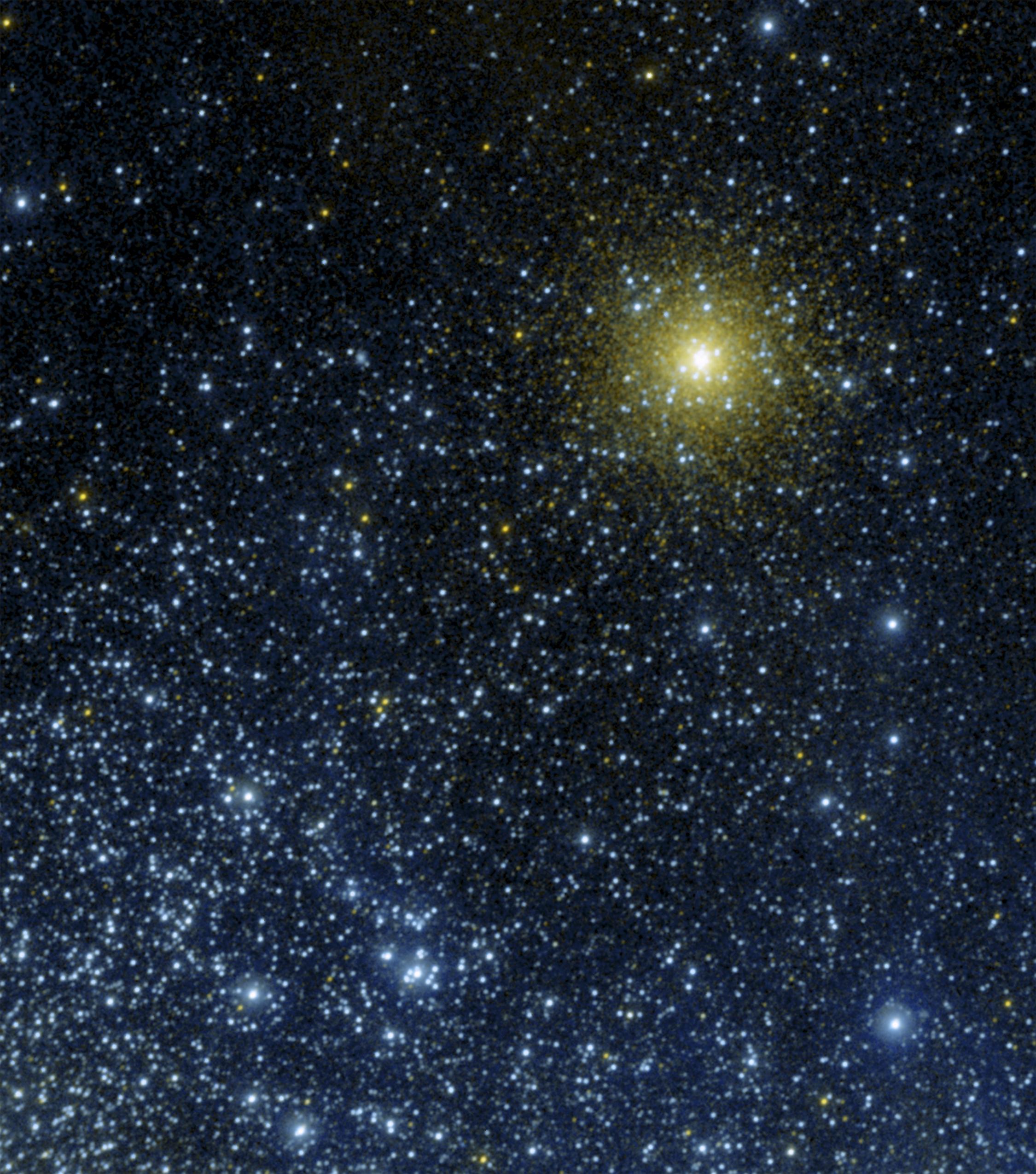 GALEX_image_of_NGC_362.jpg