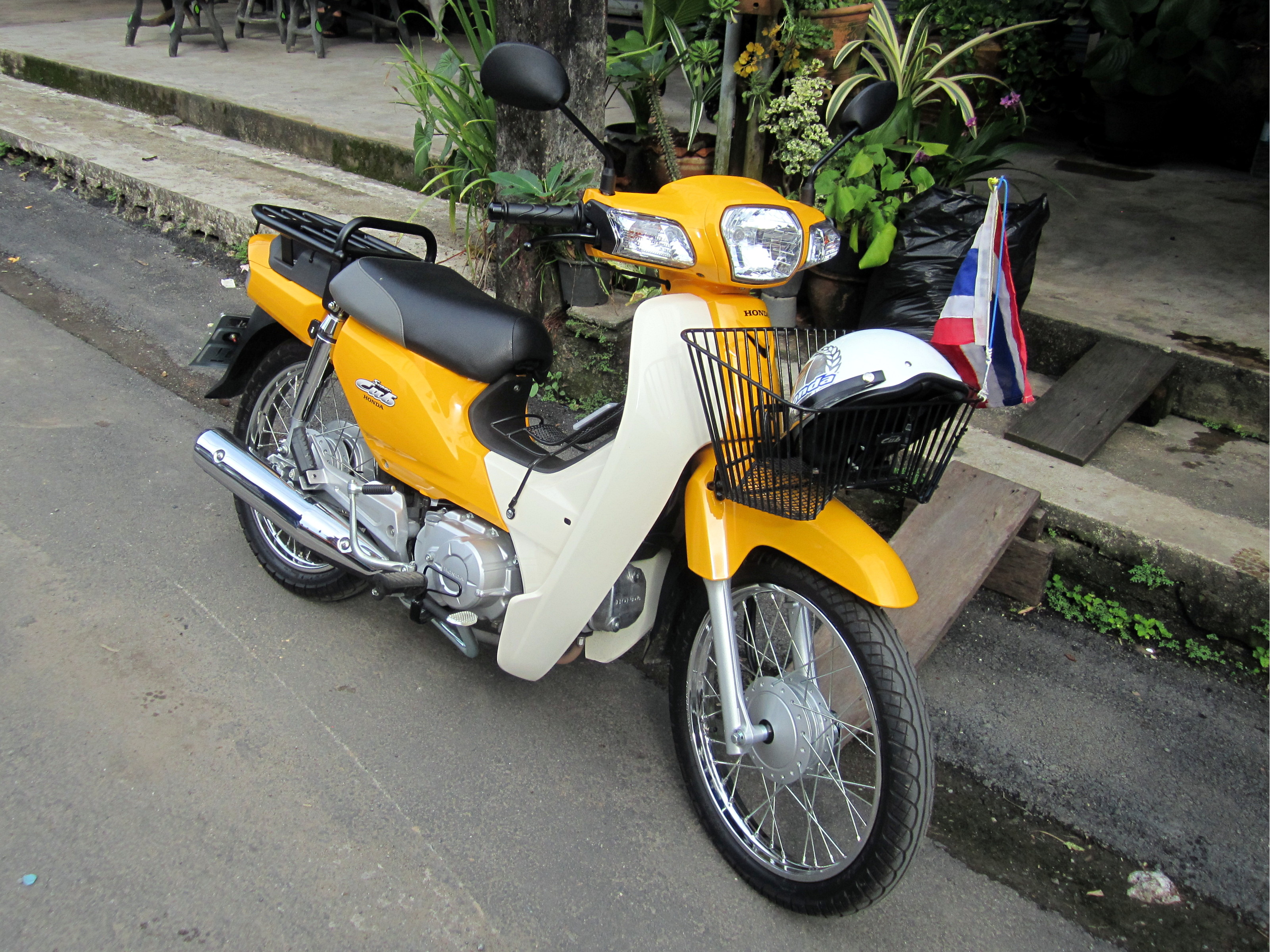 File Honda Dream 110i Super Cub Nd110m With Accessories Jpg Wikimedia Commons