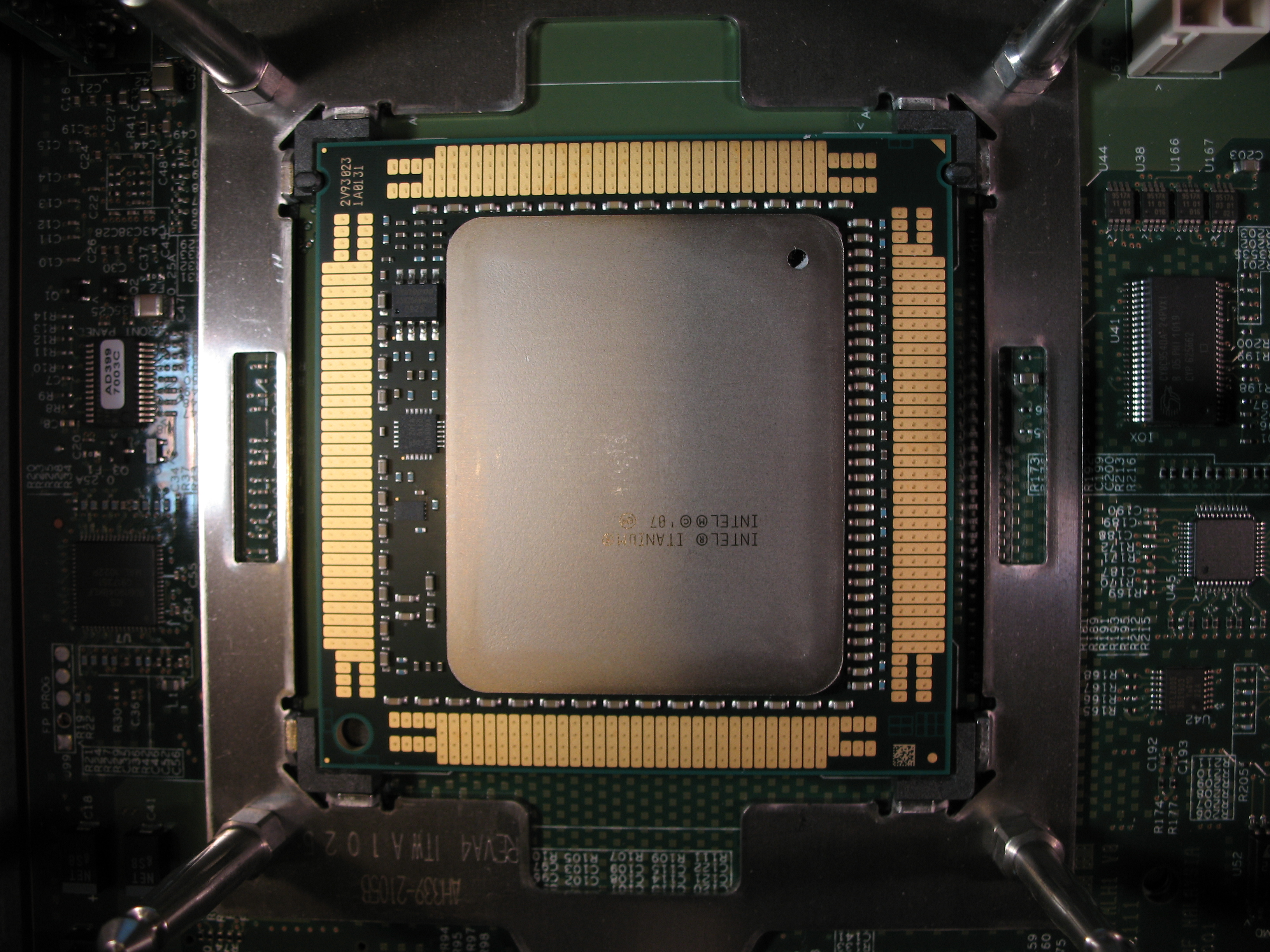 File:Intel Itanium 9300 sitting inIntel LGA 1248 socket.JPG