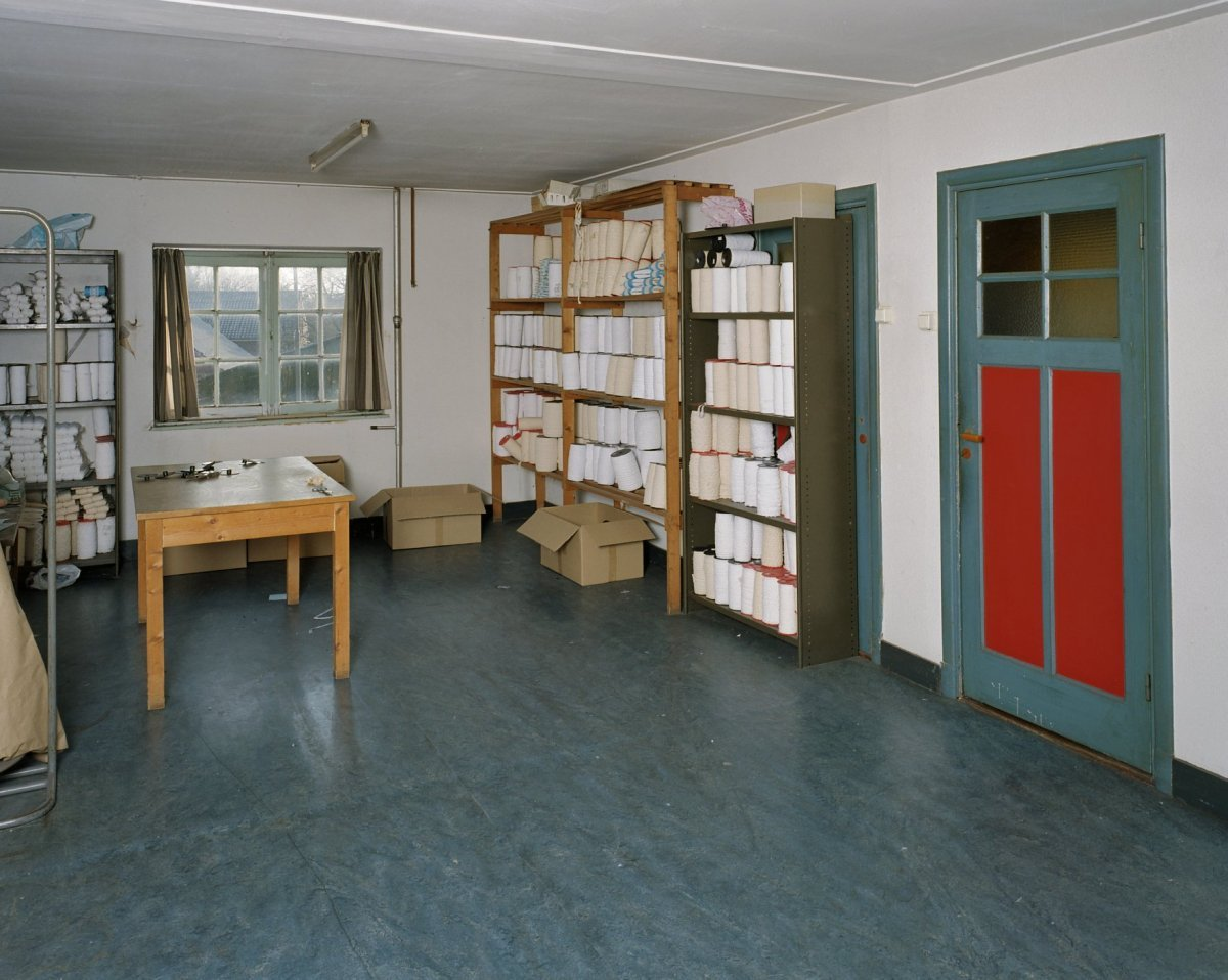 File interieur voorraadruimte op 1e verdieping horst for Hermkens interieur horst