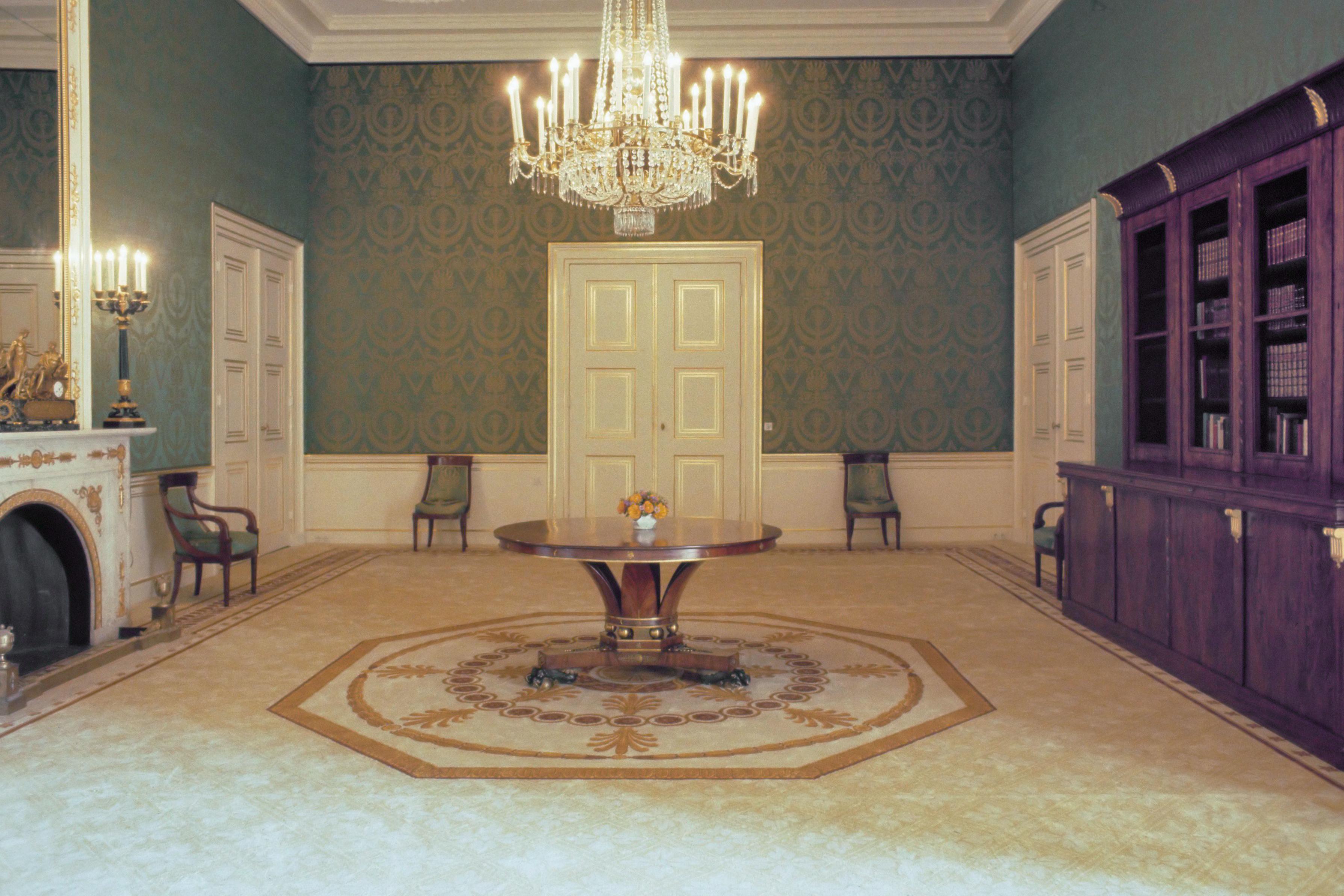 File:Interieur Paleis Noordeinde - grote anti Chambre (1984).jpg ...