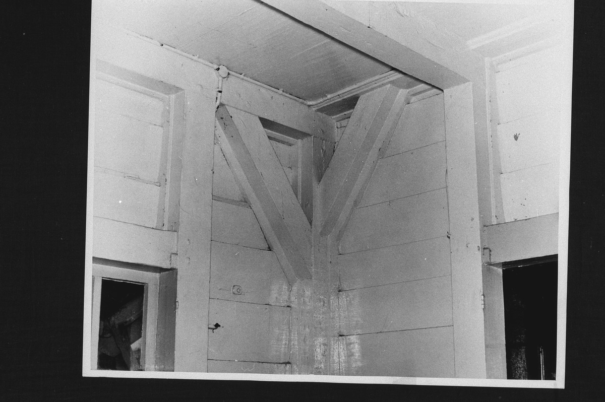 File interieur pastorie van hervormde kerk schoorconstructie