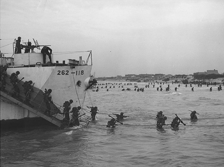 File:Juno-beach-debarquement-infanterie.jpg