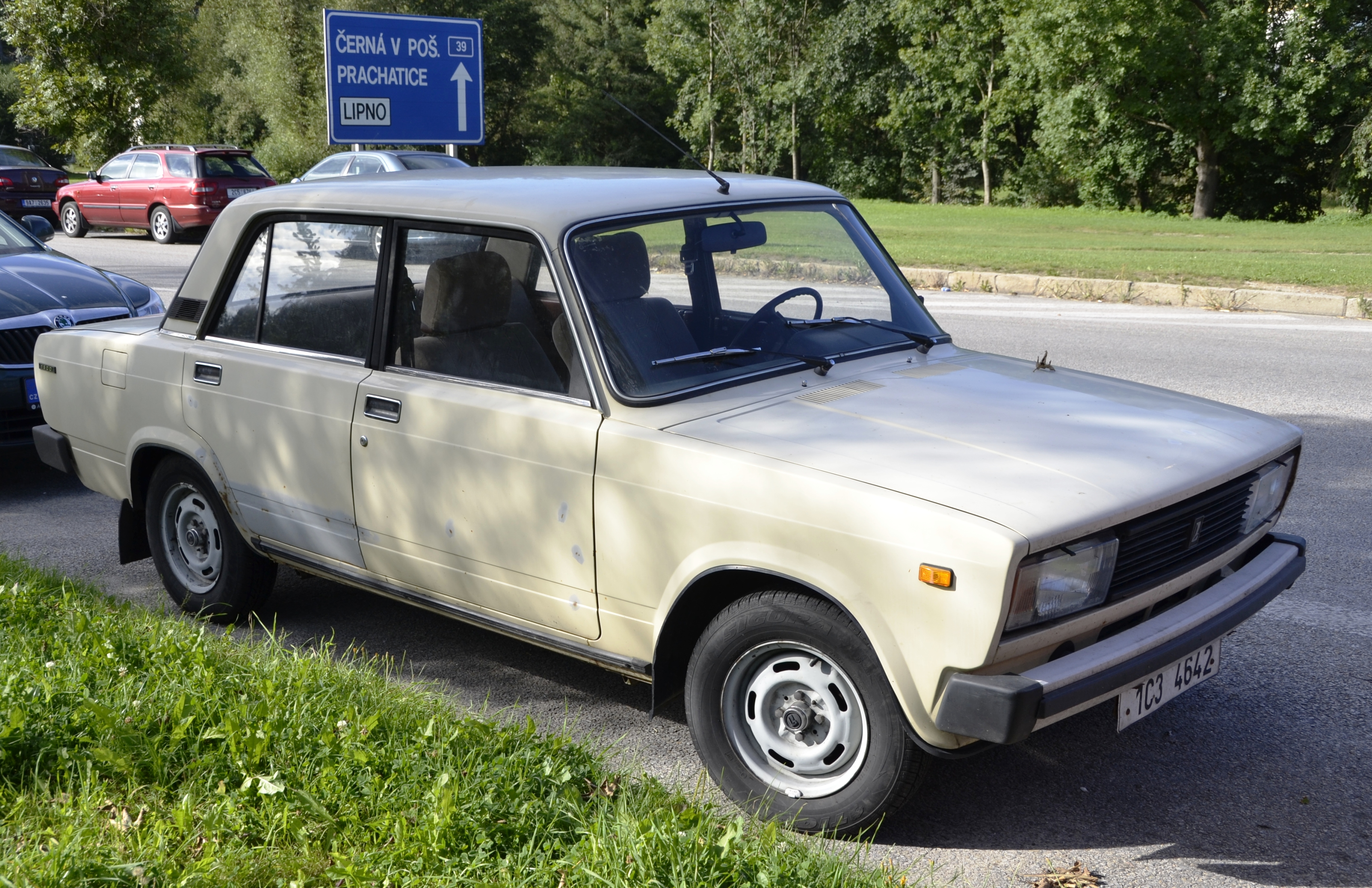 File Lada Vaz 2105 Jpg Wikimedia Commons