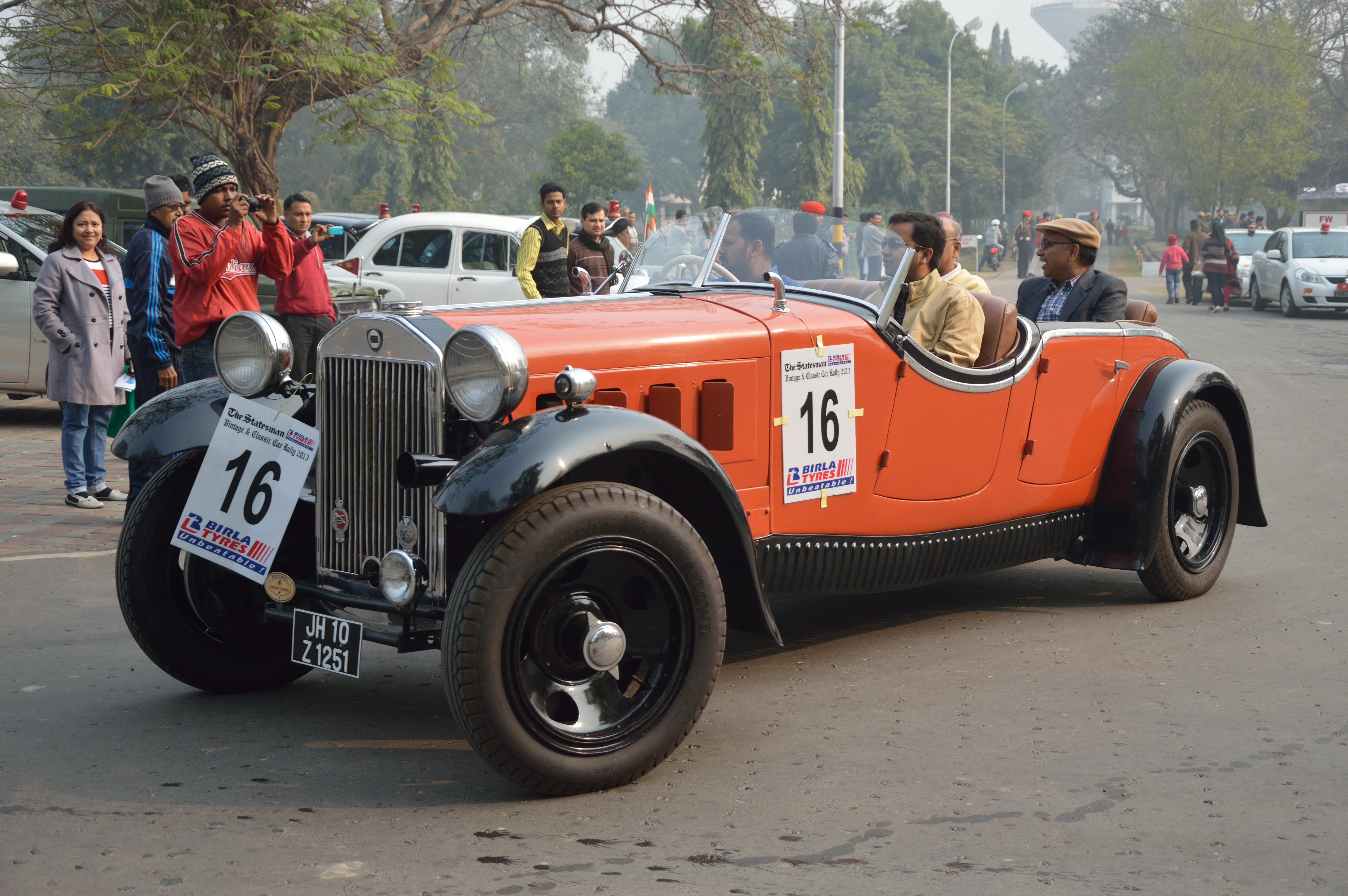 http://upload.wikimedia.org/wikipedia/commons/4/40/Lancia_-_Dilambda_-_1926_-_30_hp_-_8_cyl_-_Kolkata_2013-01-13_3220.JPG