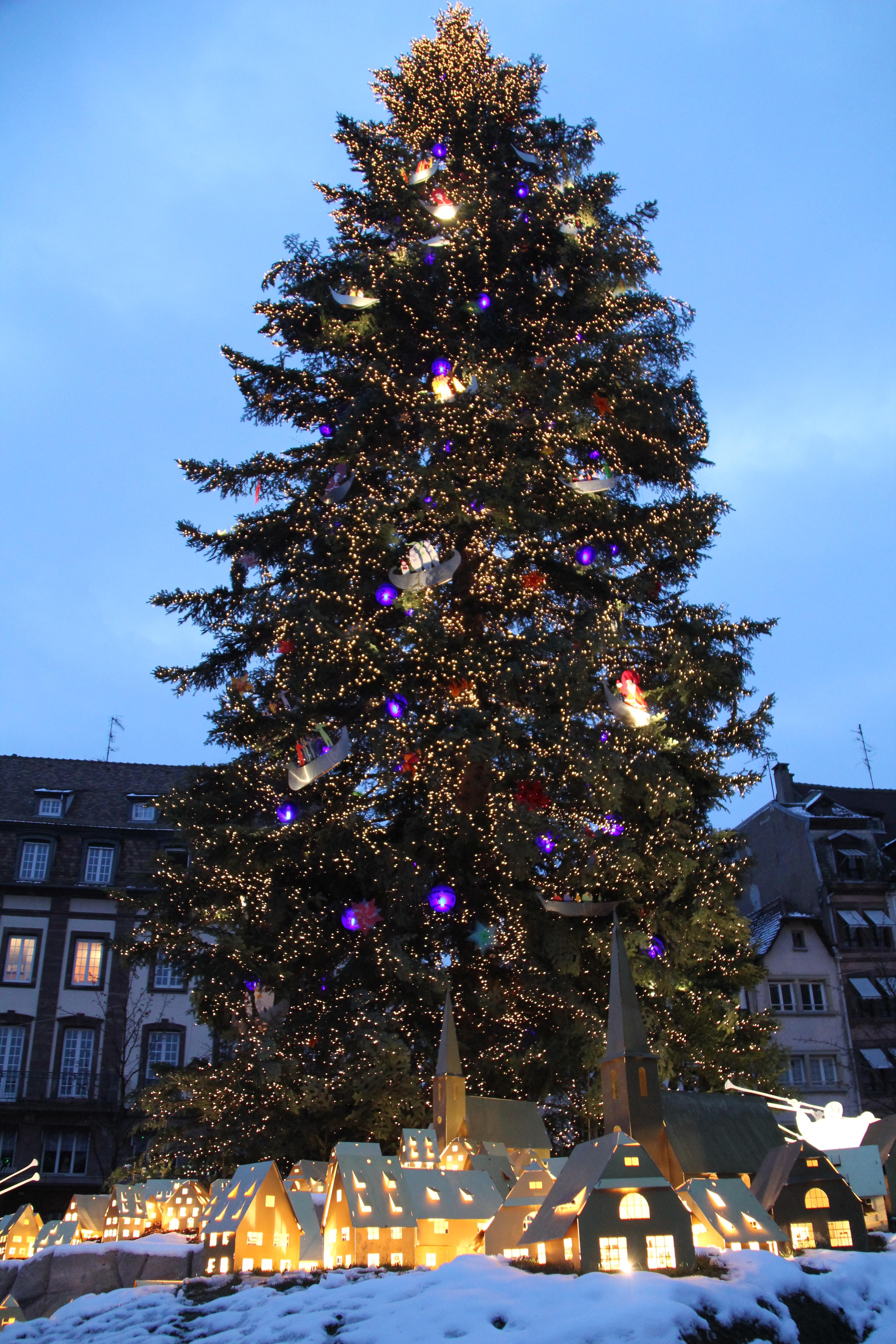 Sapin De Noel Decoratif Lumineux Groupon