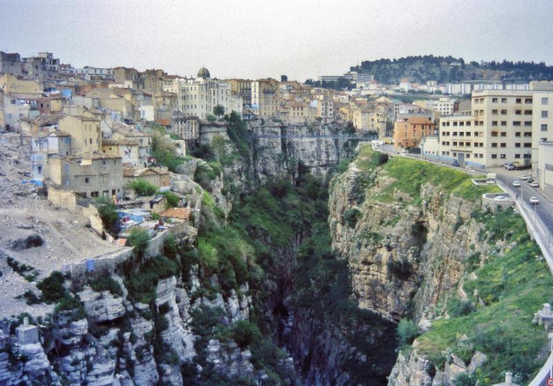 File:Les gorges, Constantine, Algeria-2.jpg