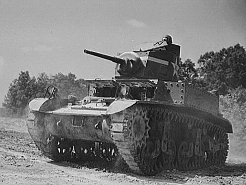 A late M3 model, with the turret basket, training at Fort Knox, early 1942 - Credits: Wikipedia