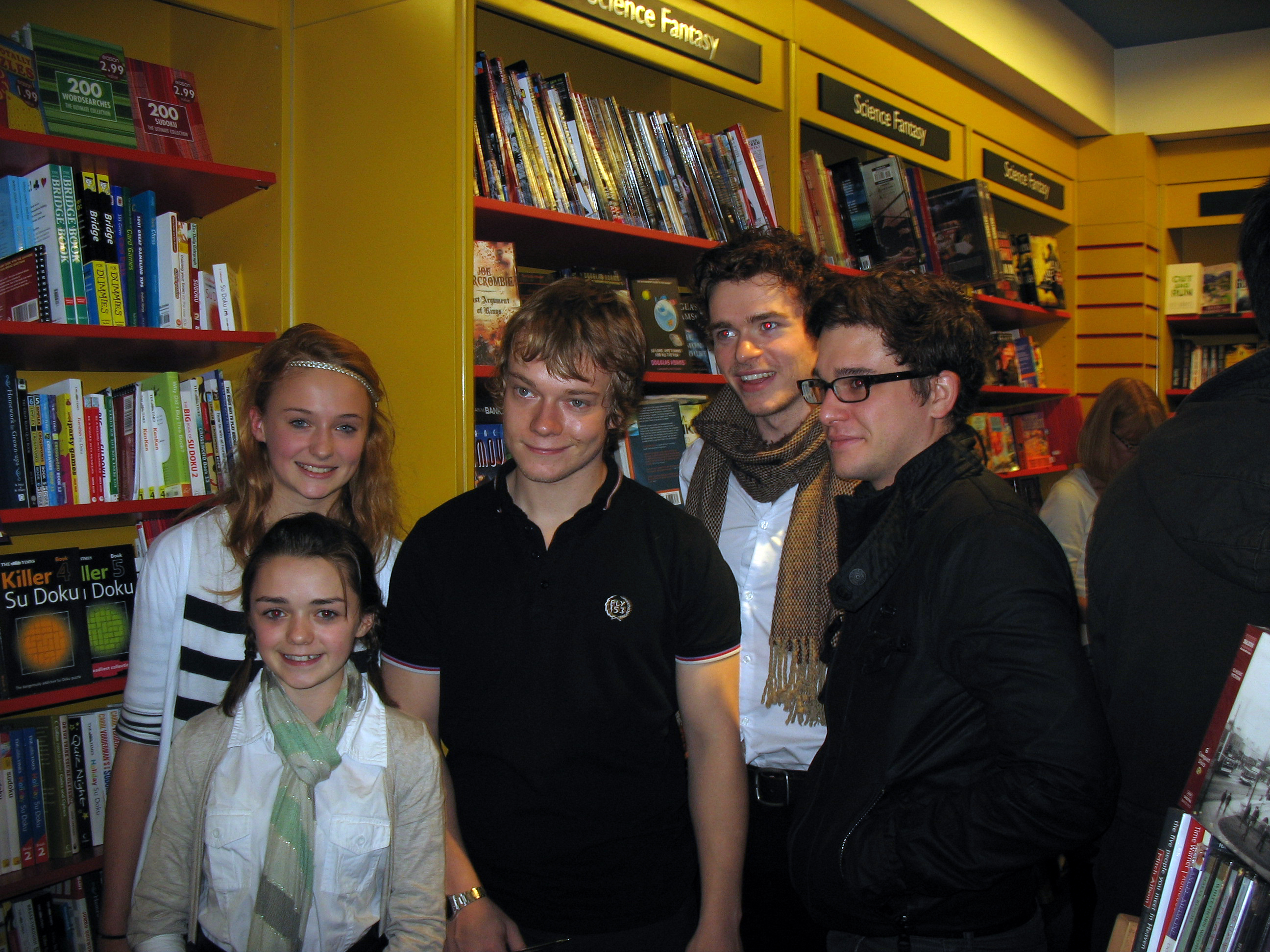 Richard Madden (Robb Stark) Maisie_Williams,_Sophie_Turner,_Alfie_Allen,_Richard_Madden_and_Kit_Harington