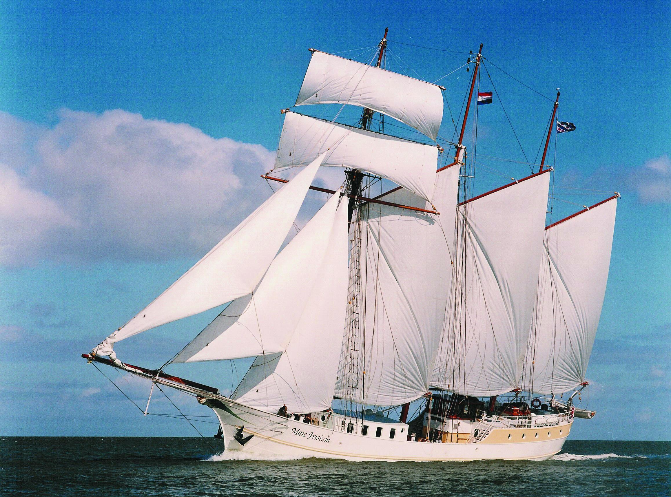 Segelschiffe auf dem meer  Segelschiff – Wikipedia