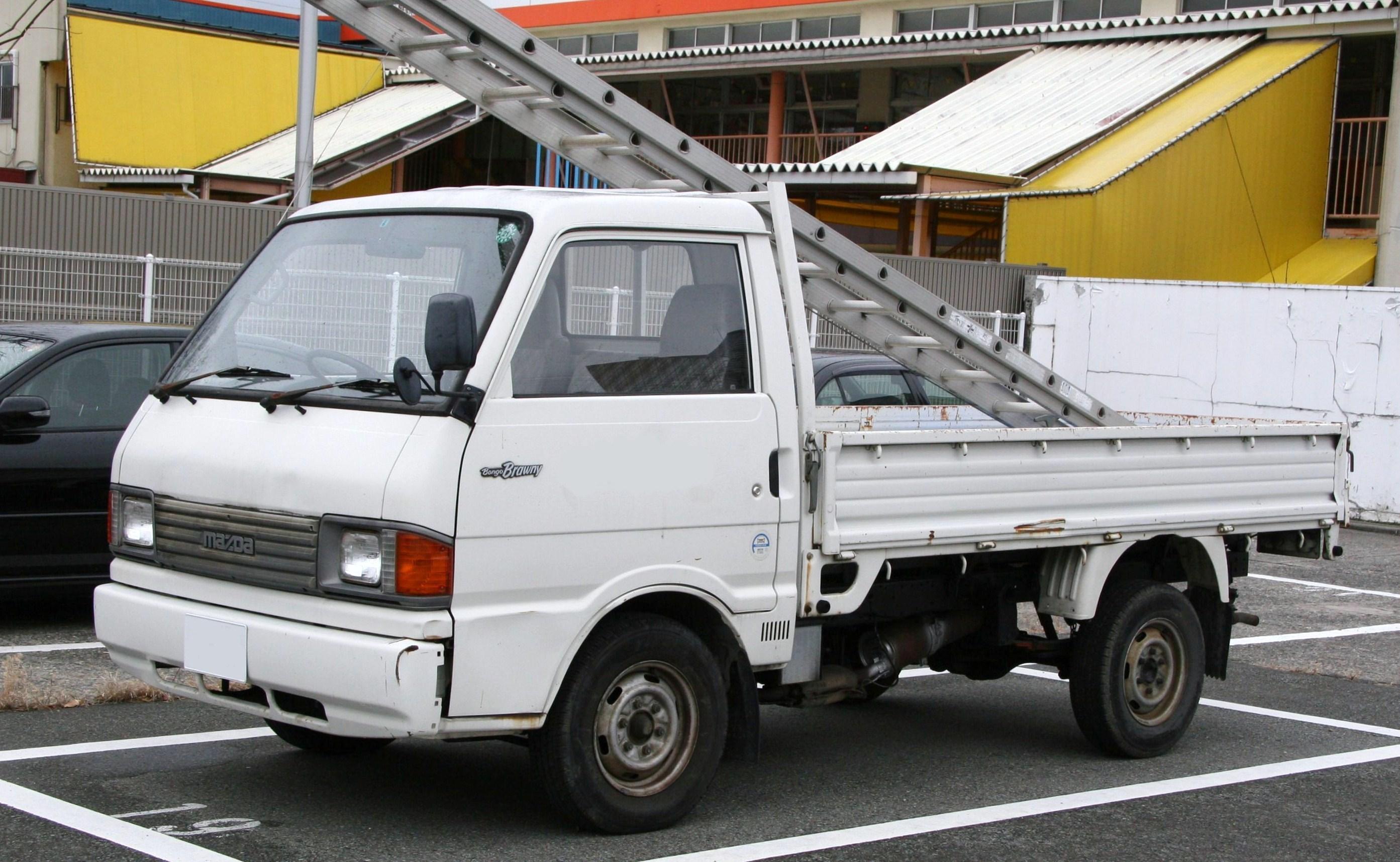 File:Mazda Bongo Brawny.jpg - Wikimedia Commons