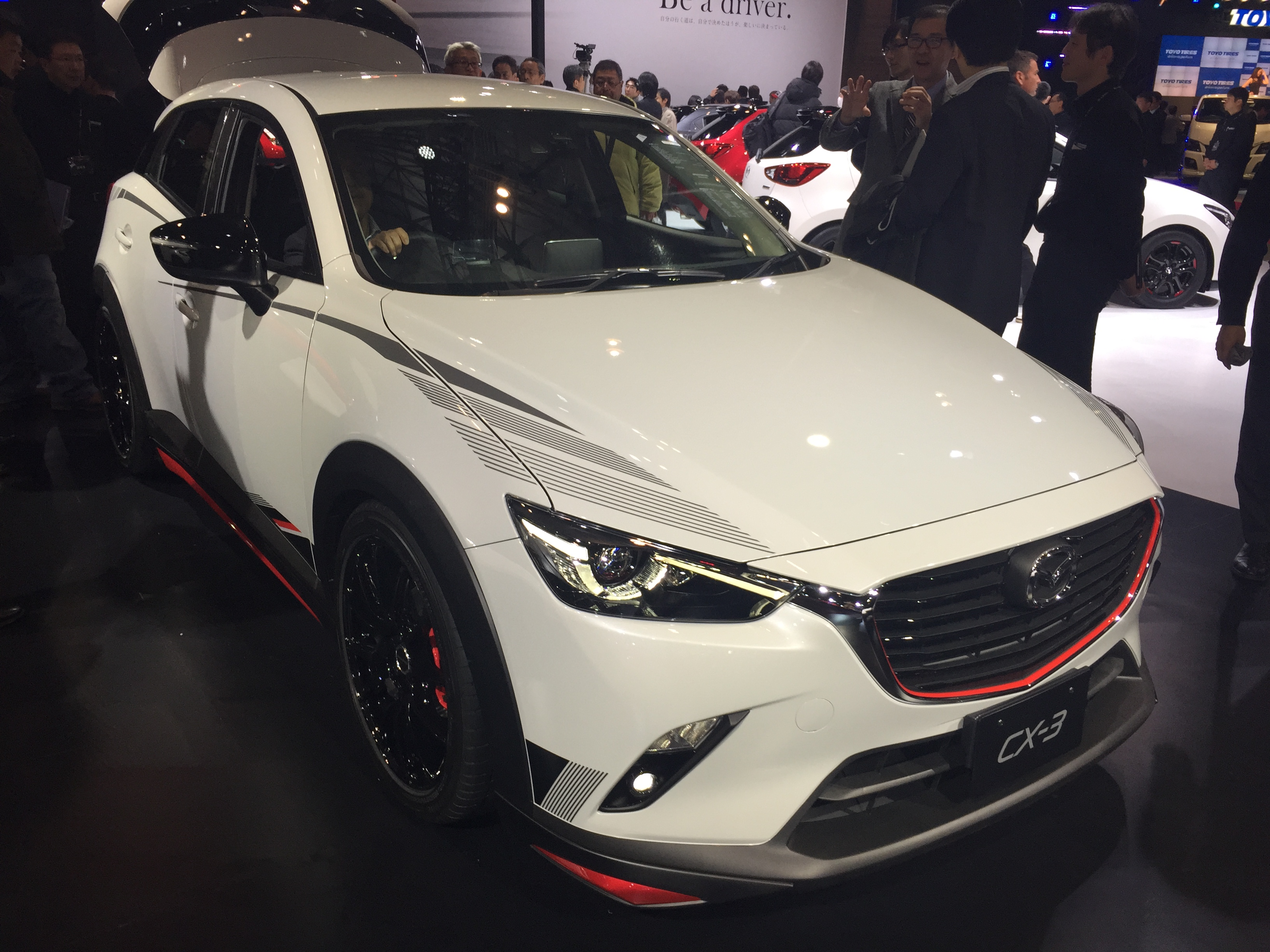 file mazda cx 3 racing concept front tokyo auto salon wikimedia commons. Black Bedroom Furniture Sets. Home Design Ideas